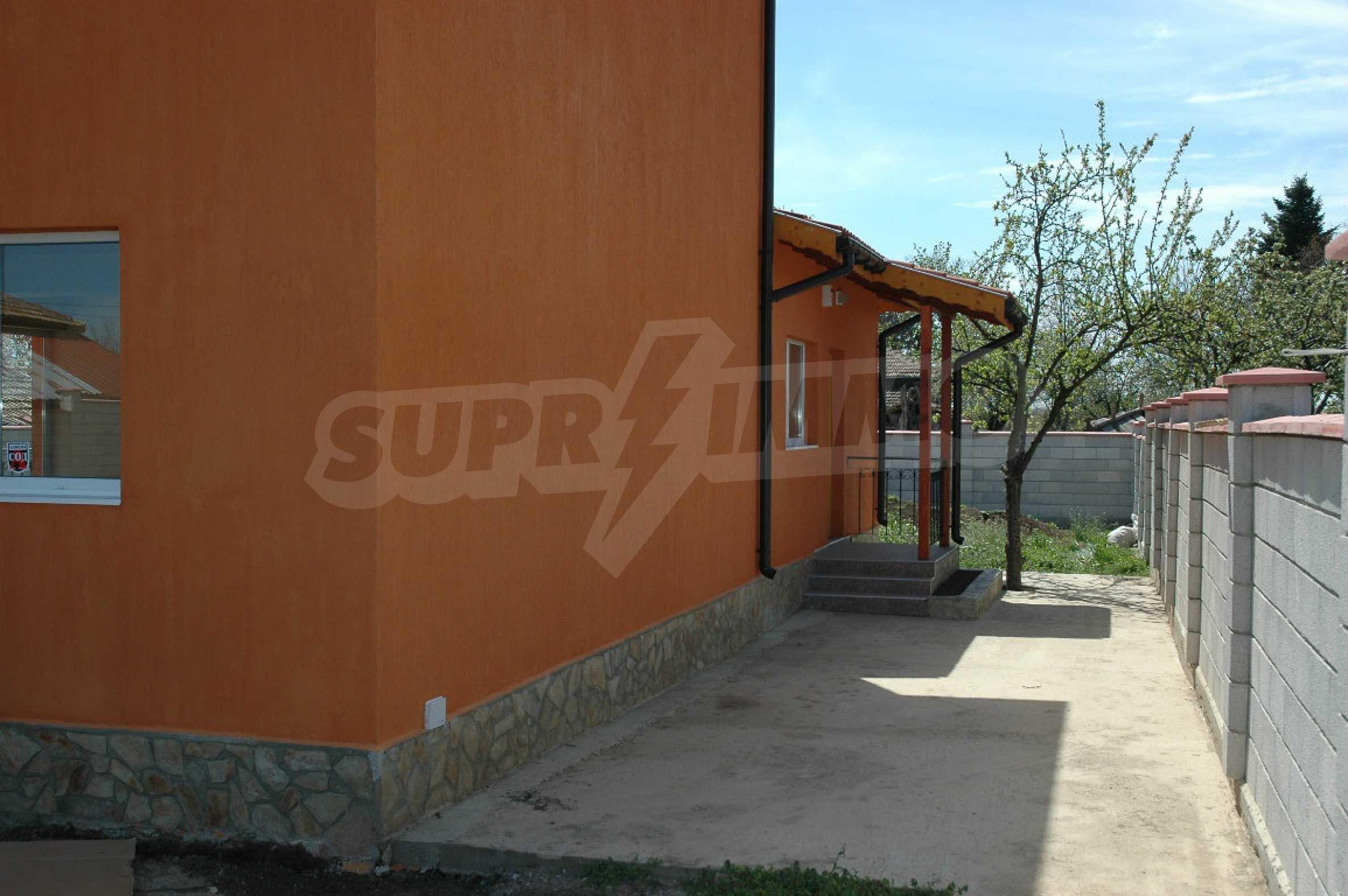 Neugebautes zweistöckiges Haus in der Nähe von Balchik 5