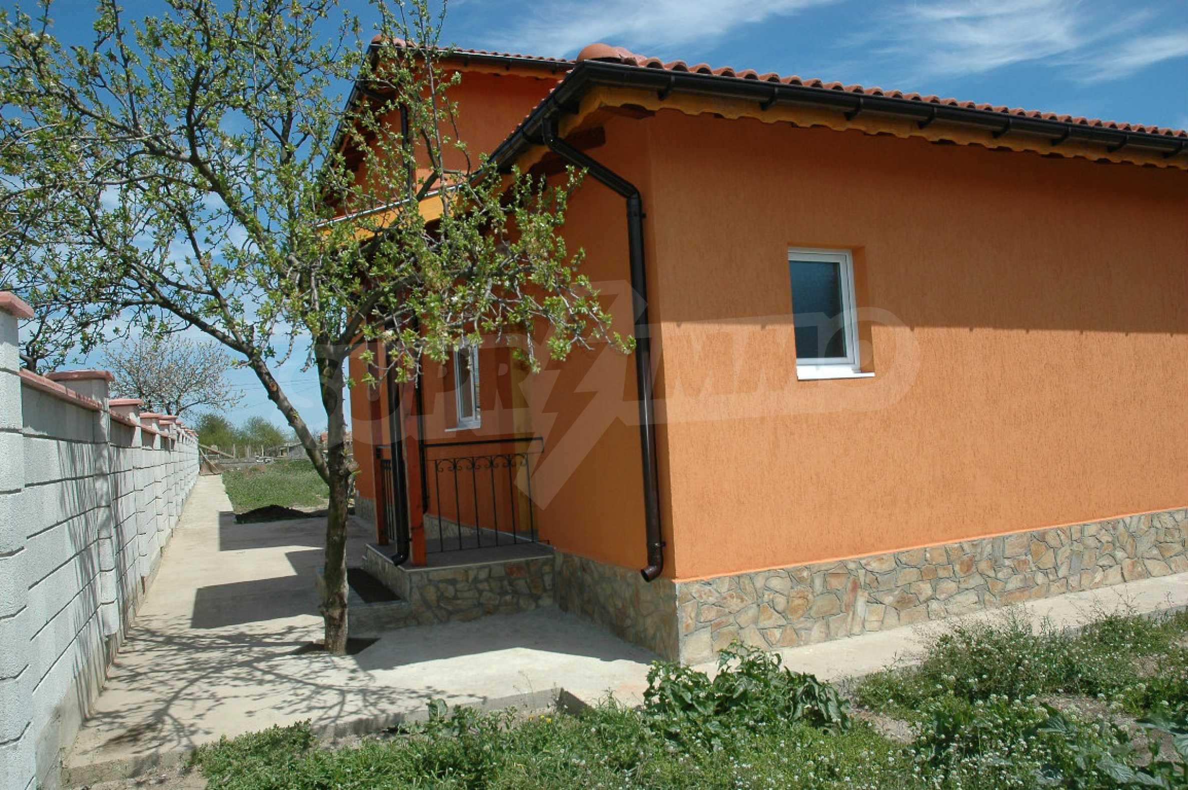 Neugebautes zweistöckiges Haus in der Nähe von Balchik 7