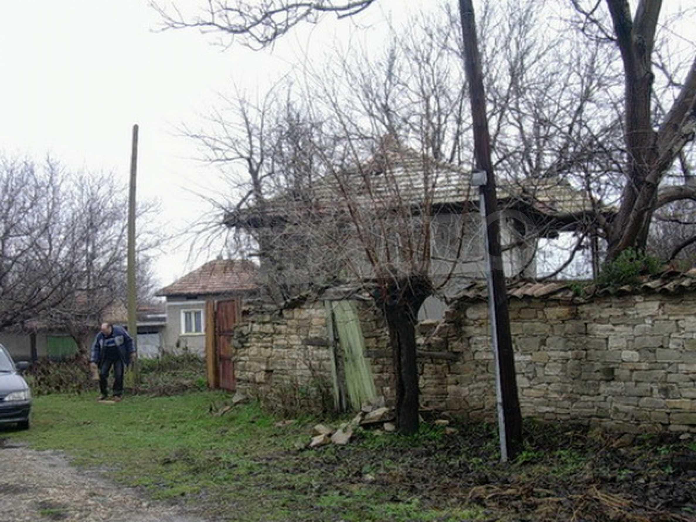 Двуетажна къща в развито село на 37 км от Велико Търново 9