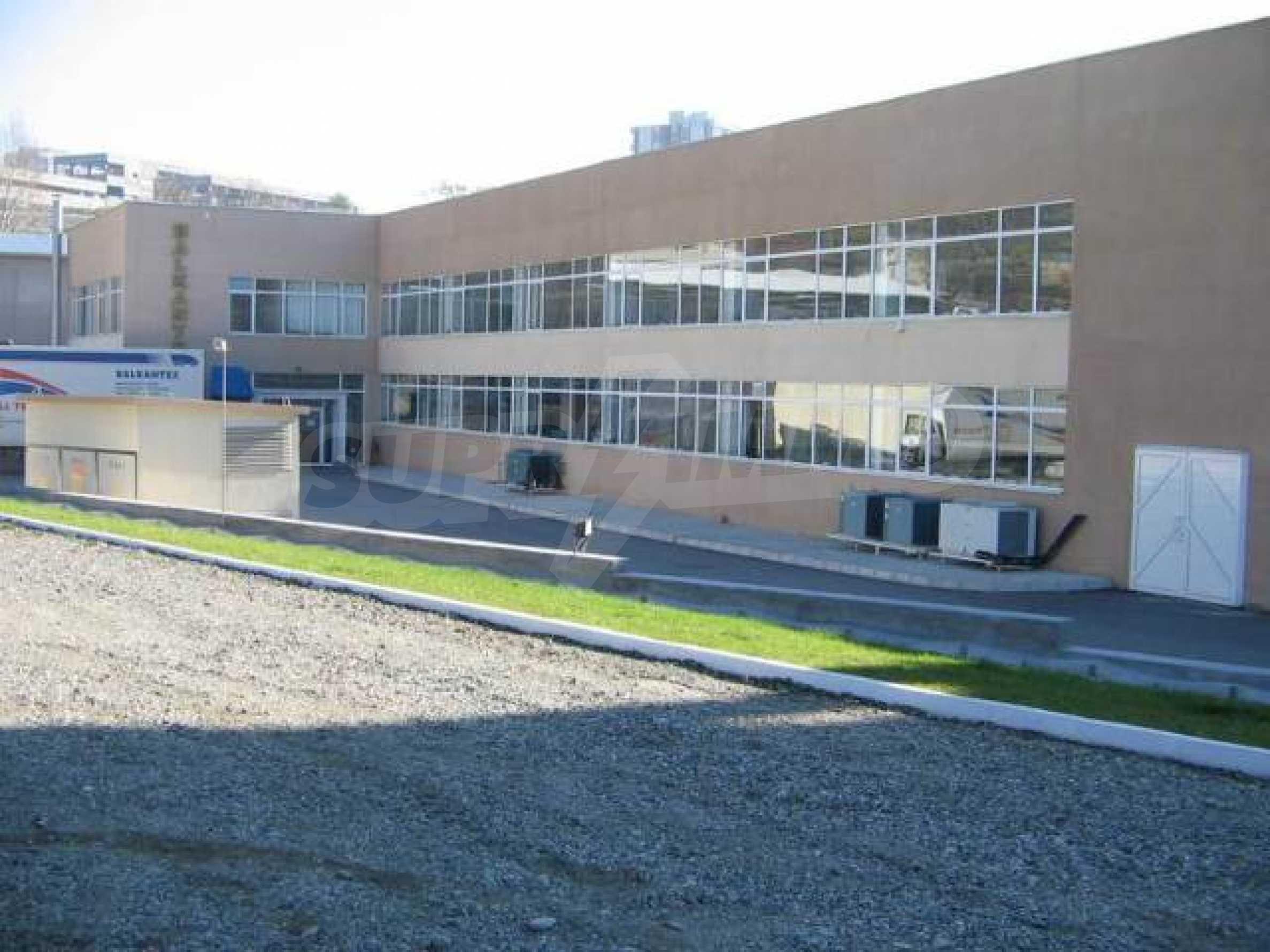 Производствена сграда в центъра на Благоевград