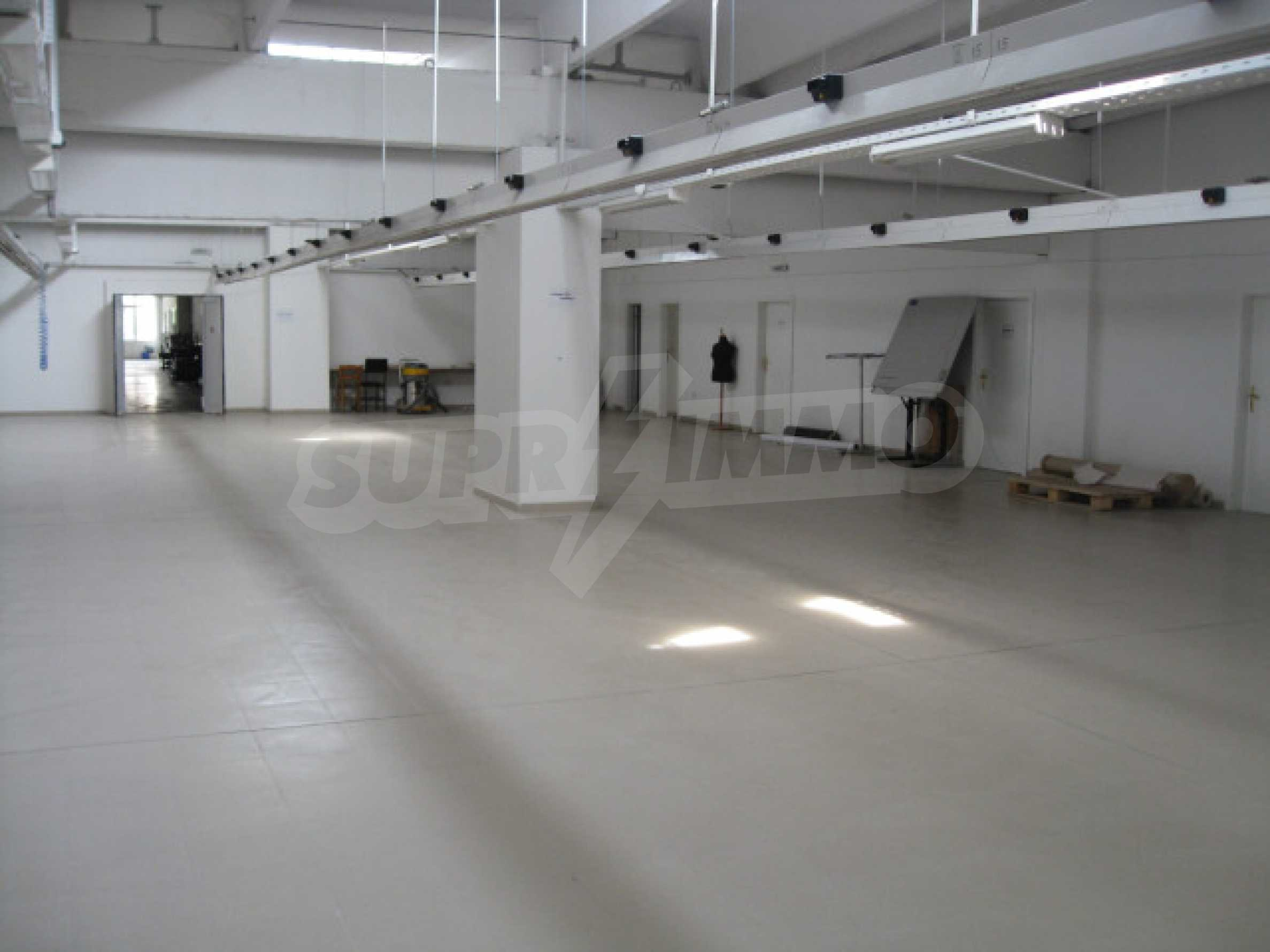 Производствена сграда в центъра на Благоевград 9
