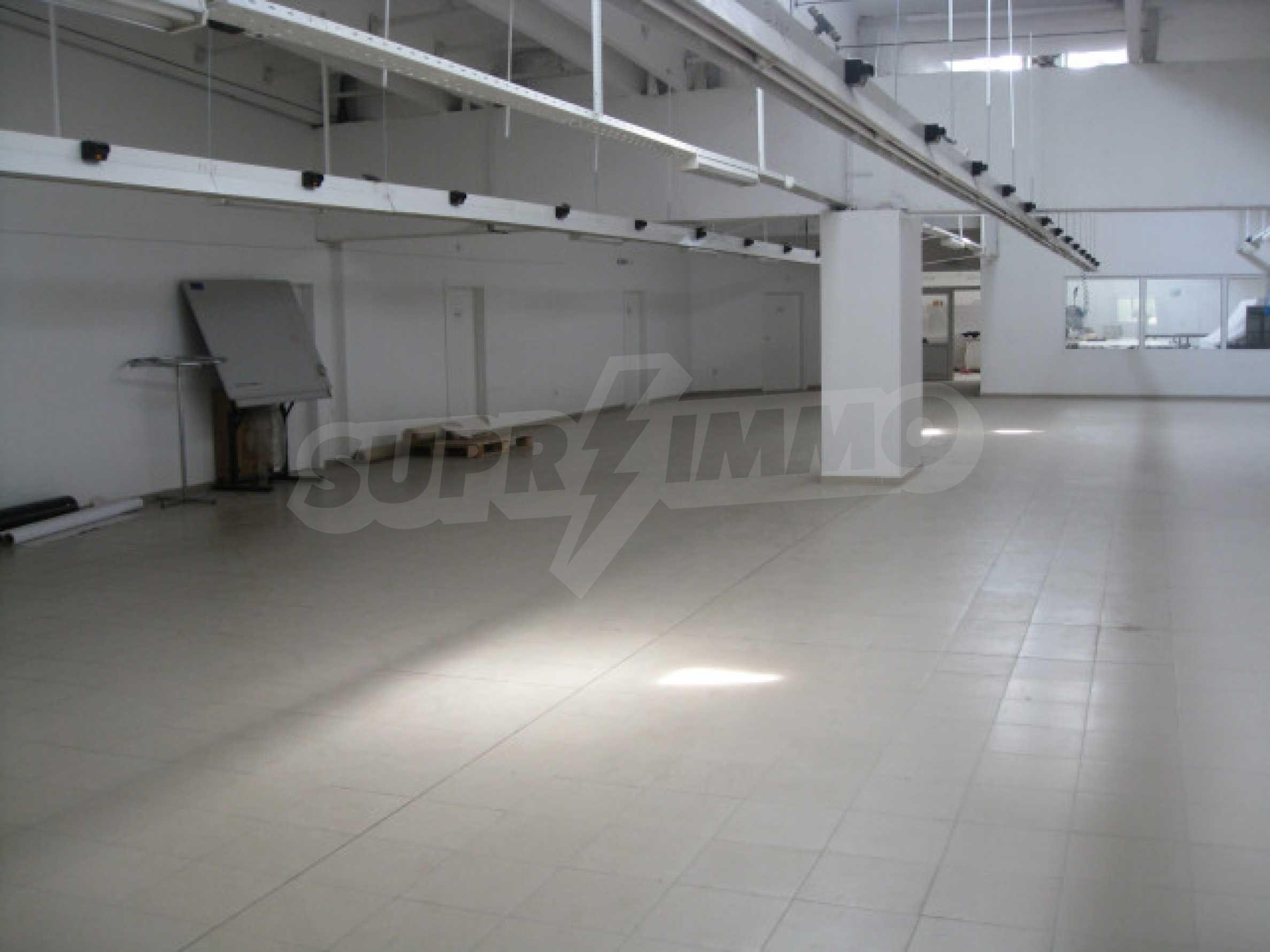 Производствена сграда в центъра на Благоевград 10