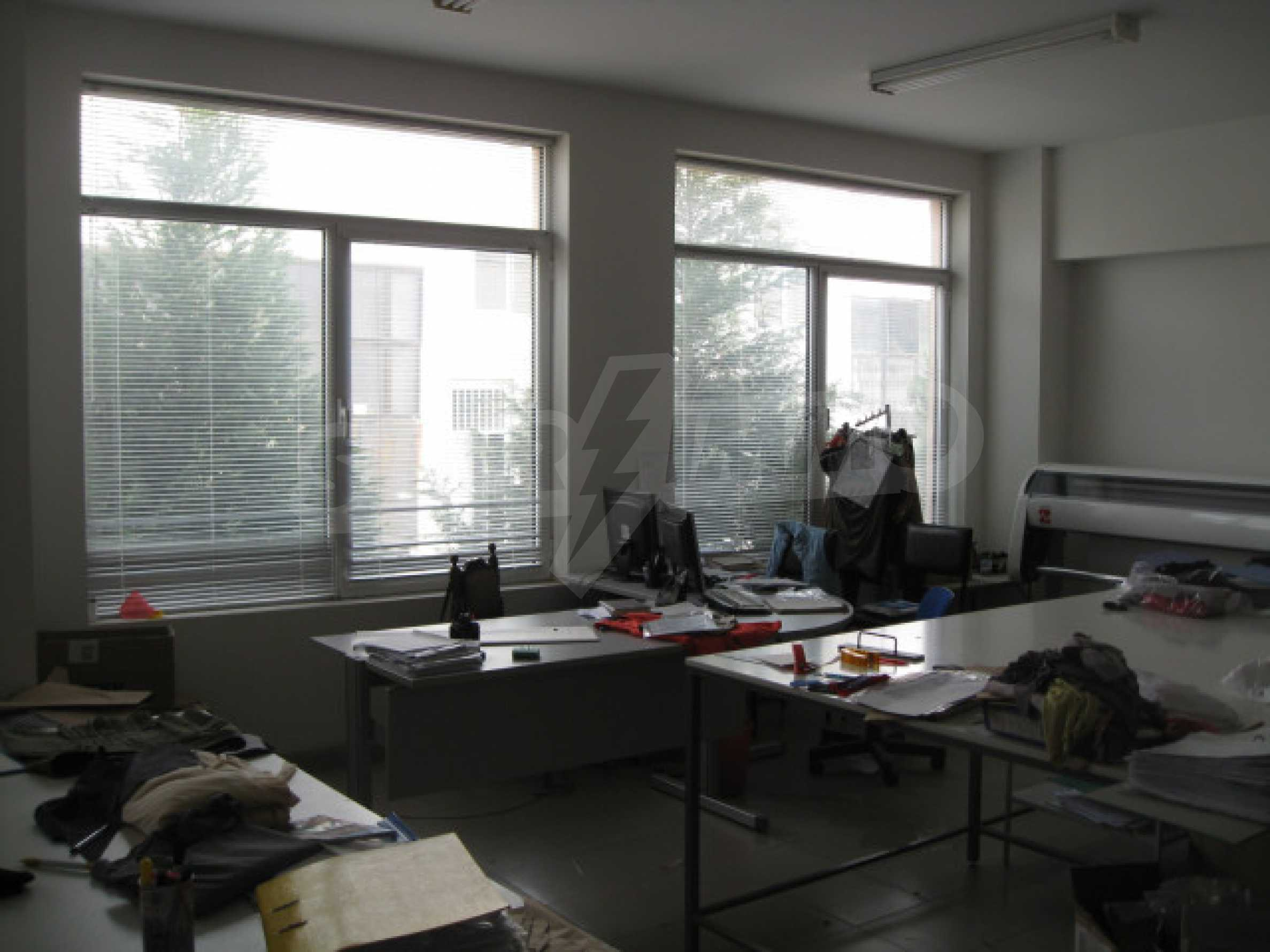 Производствена сграда в центъра на Благоевград 13