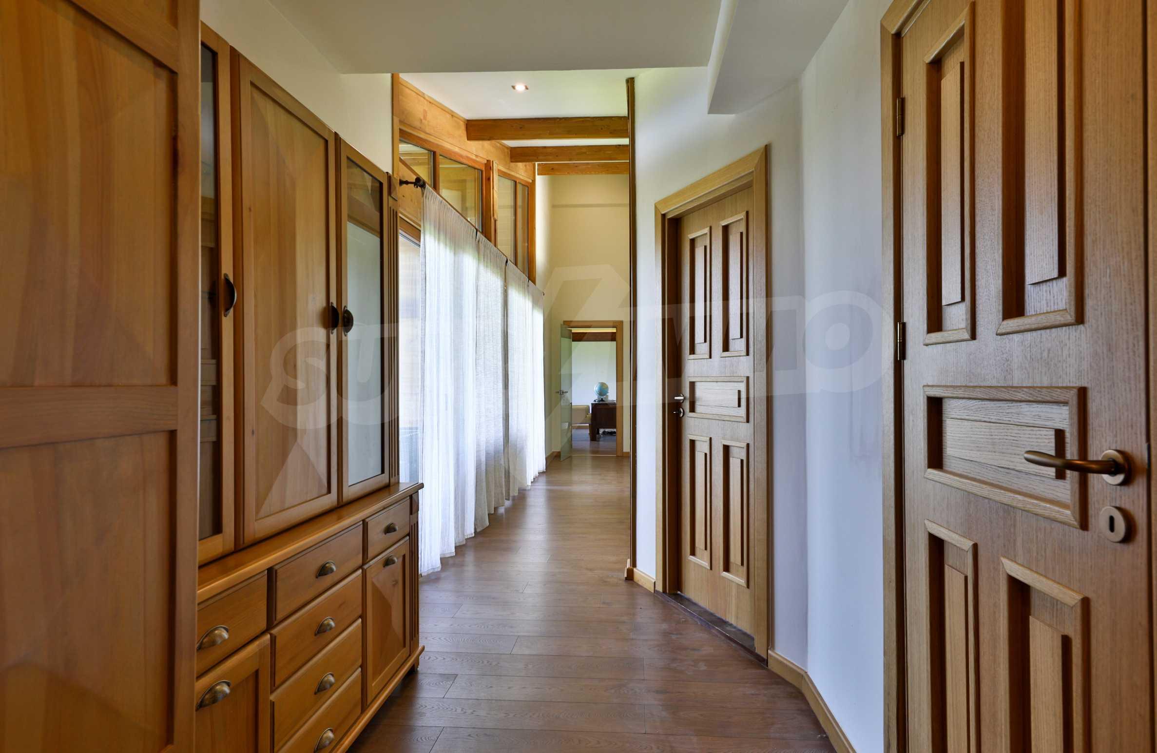 Луксозна вила под наем в  Pirin Golf & Country Club в сърцето на Пирин планина 33