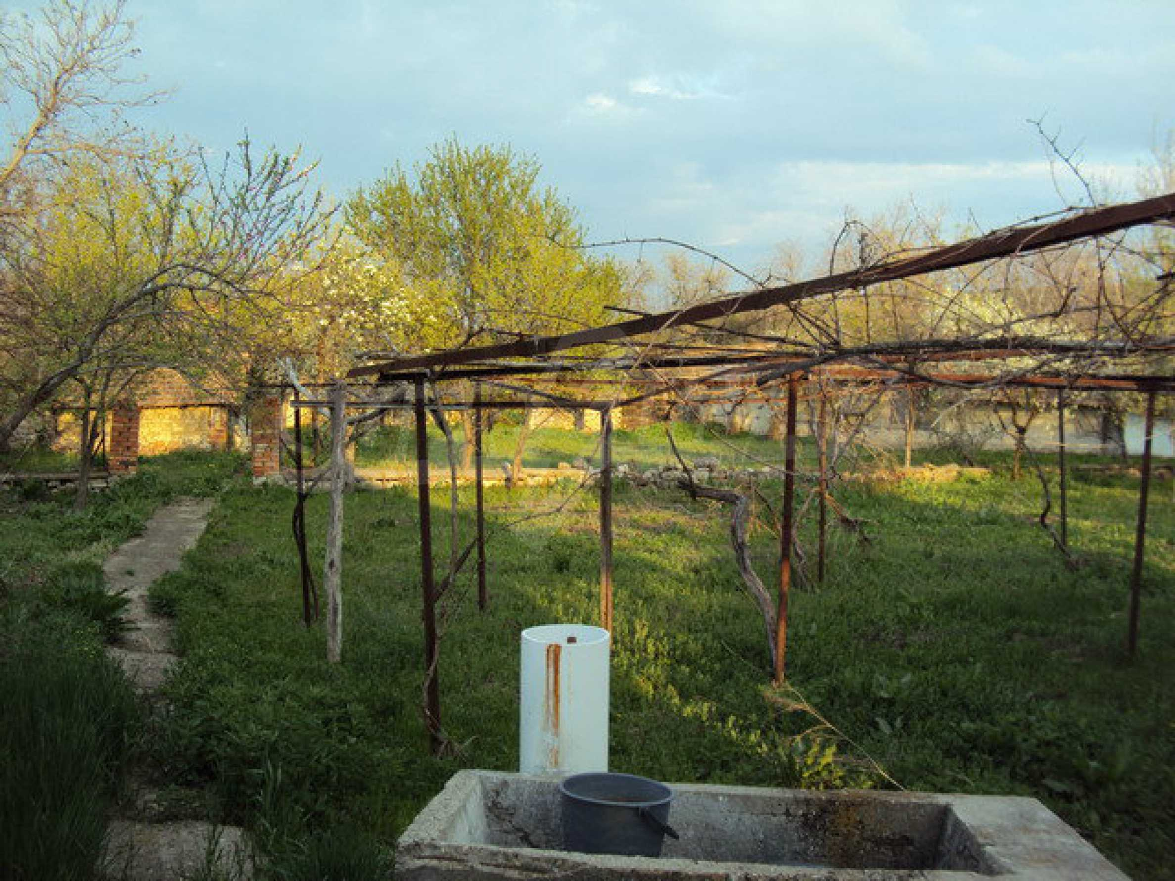 Дом с просторным садом в красивой и хорошо развитой деревне в 30 км. от Велико Тырново 19