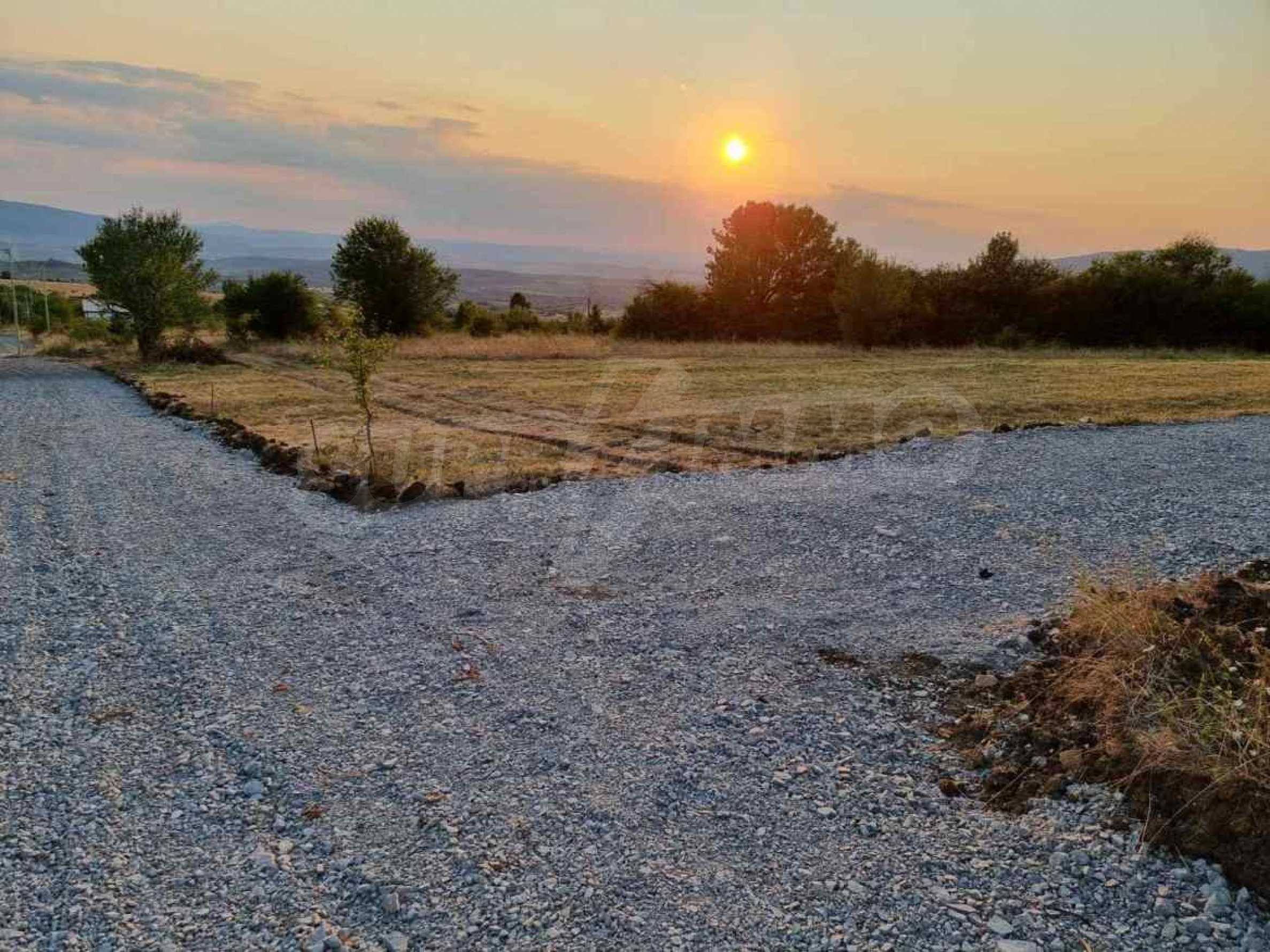 Plot of land with permission for construction of a modern house in the village of Golemo Buchino 10