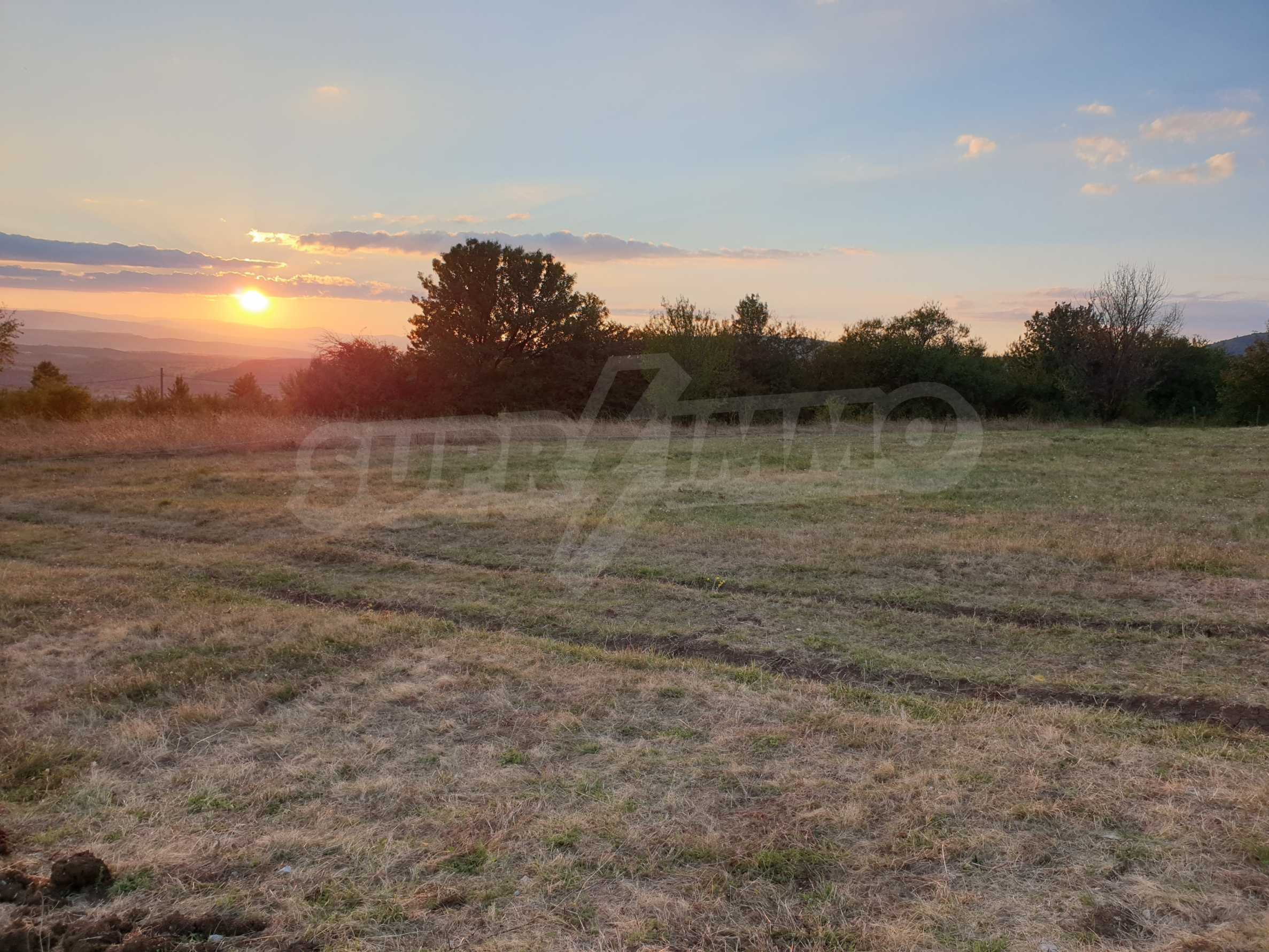 Plot of land with permission for construction of a modern house in the village of Golemo Buchino 5