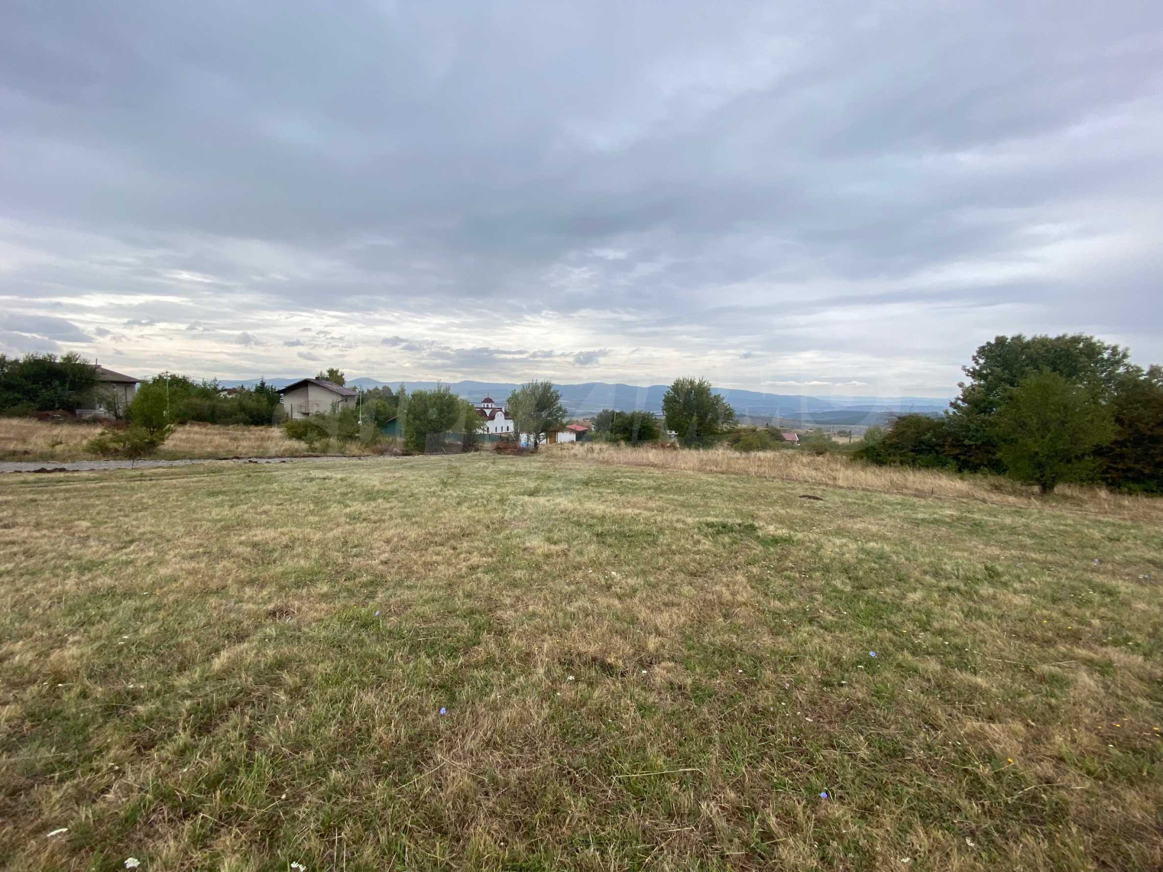 Plot of land with permission for construction of a modern house in the village of Golemo Buchino 6
