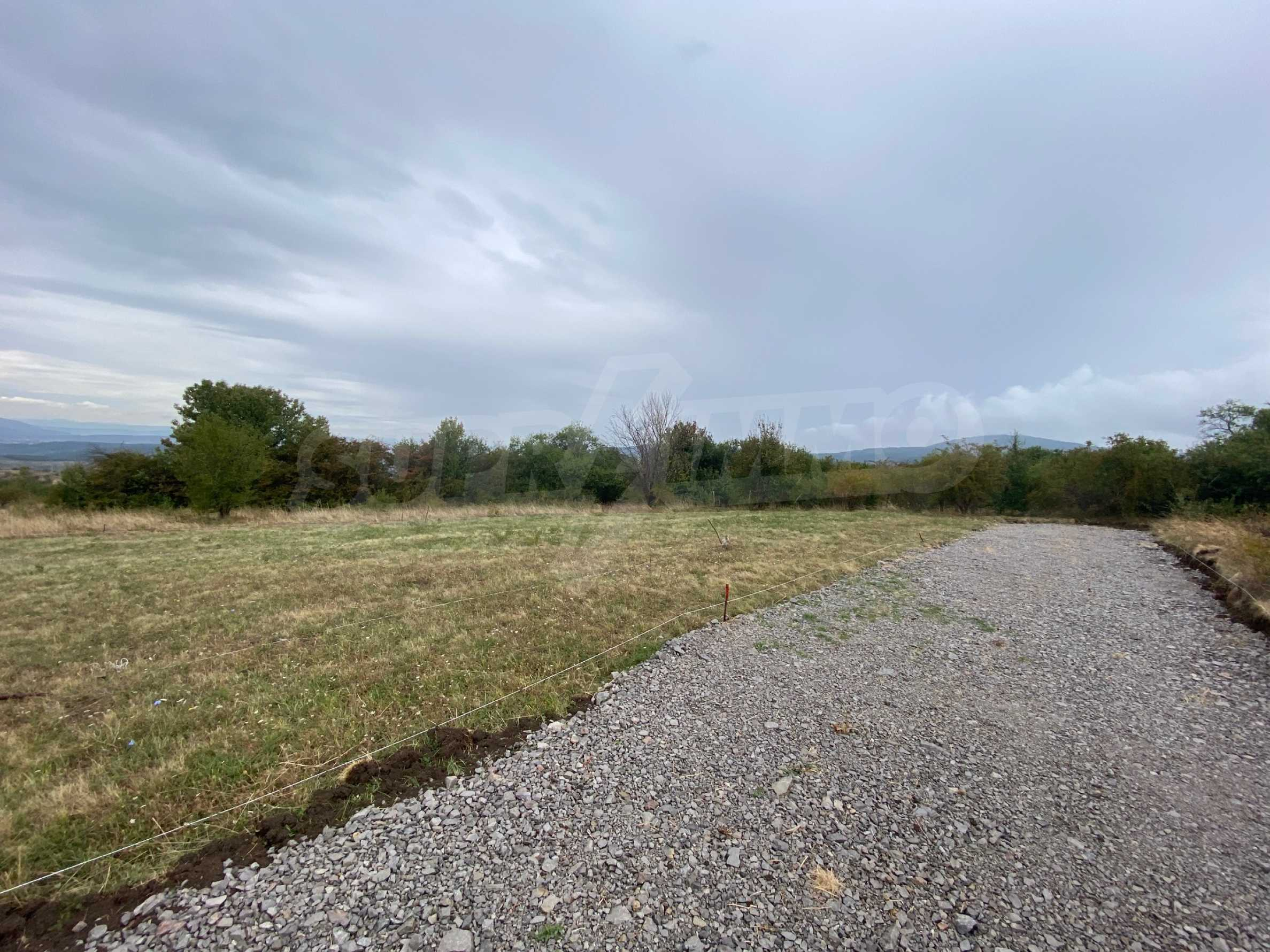 Plot of land with permission for construction of a modern house in the village of Golemo Buchino 7