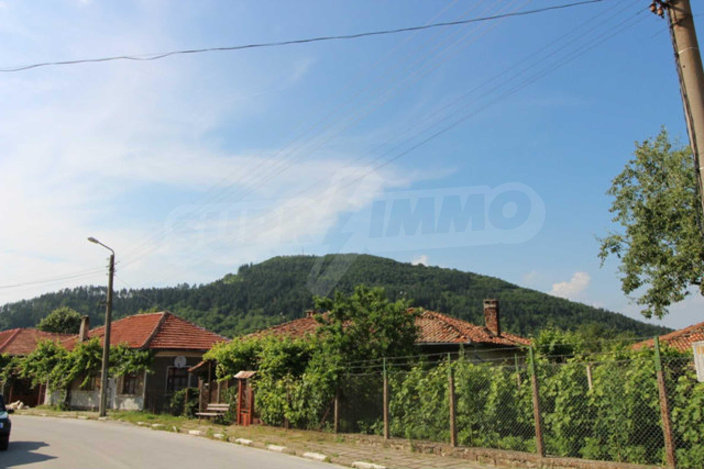Реновирана Възрожденска къща с двор само на 9 км от град Елена  68