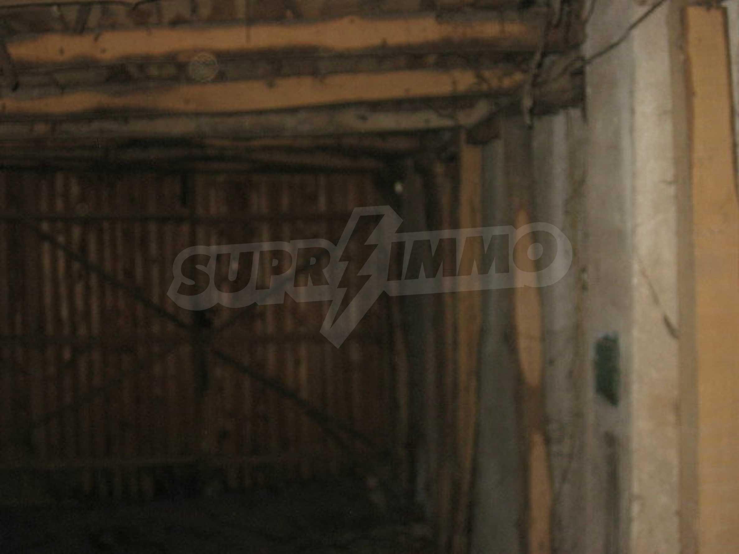 Кирпичный дом в деревне недалеко от Велико Тырново 20