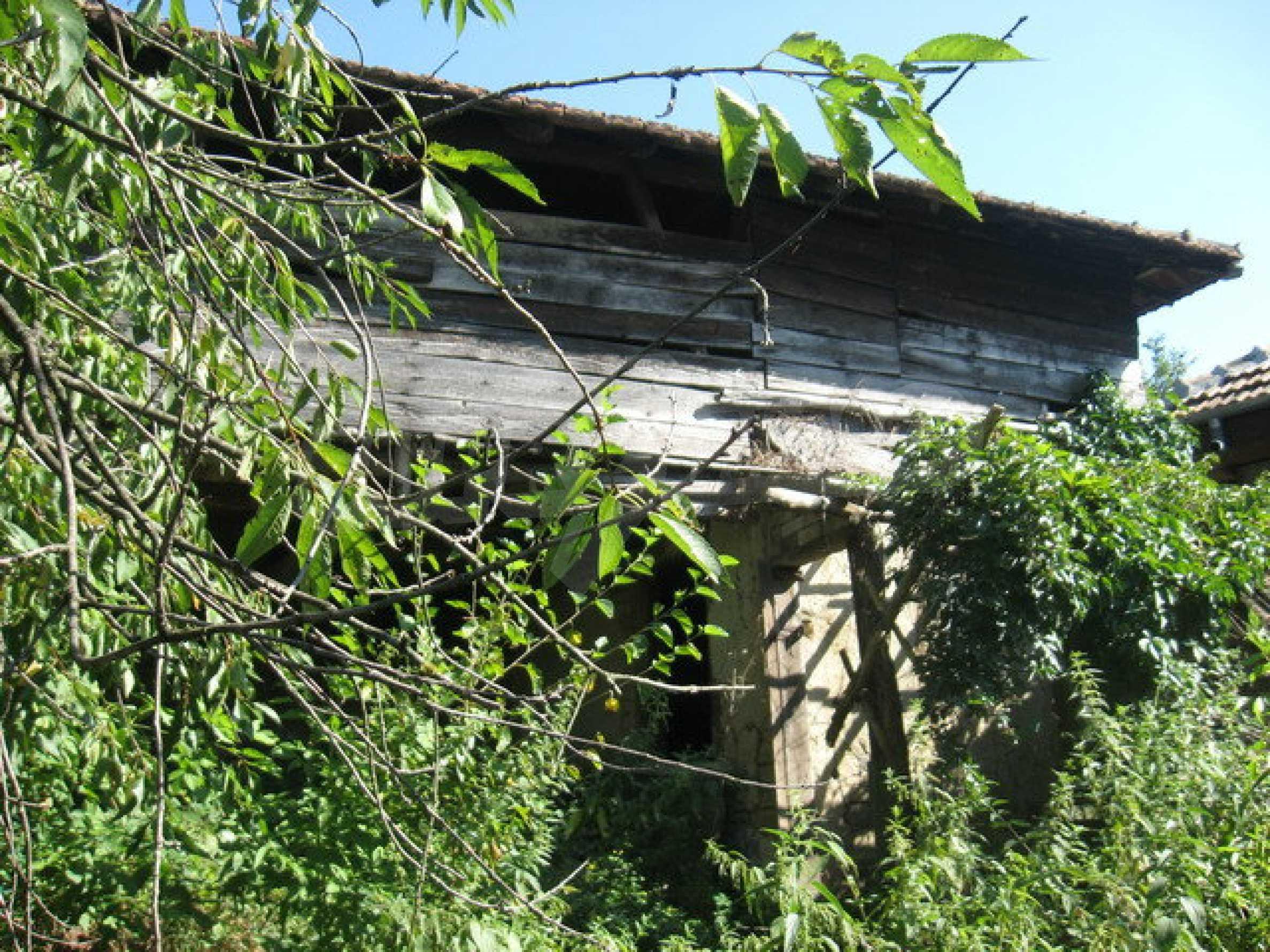 Кирпичный дом в деревне недалеко от Велико Тырново 32