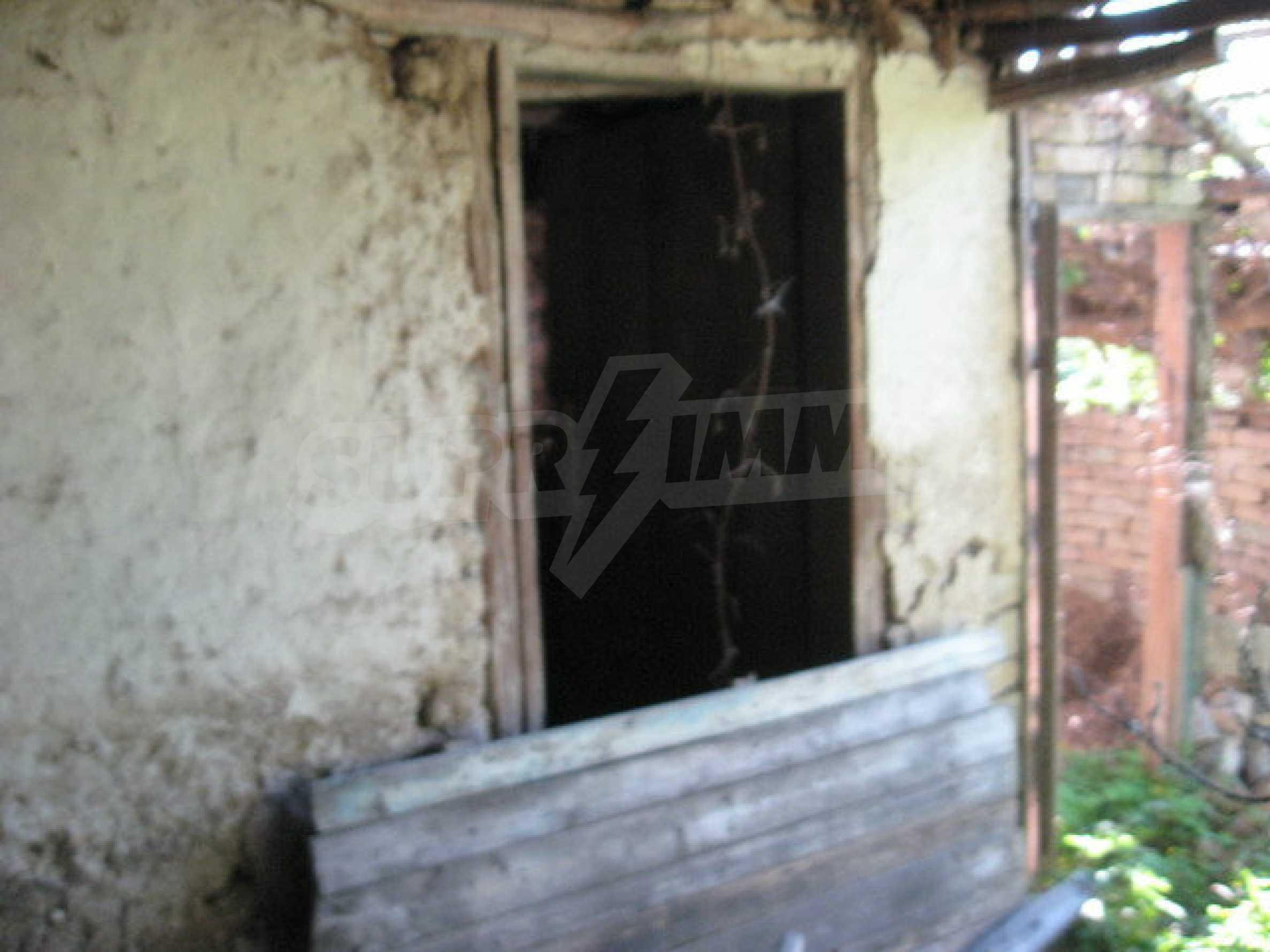 Кирпичный дом в деревне недалеко от Велико Тырново 33