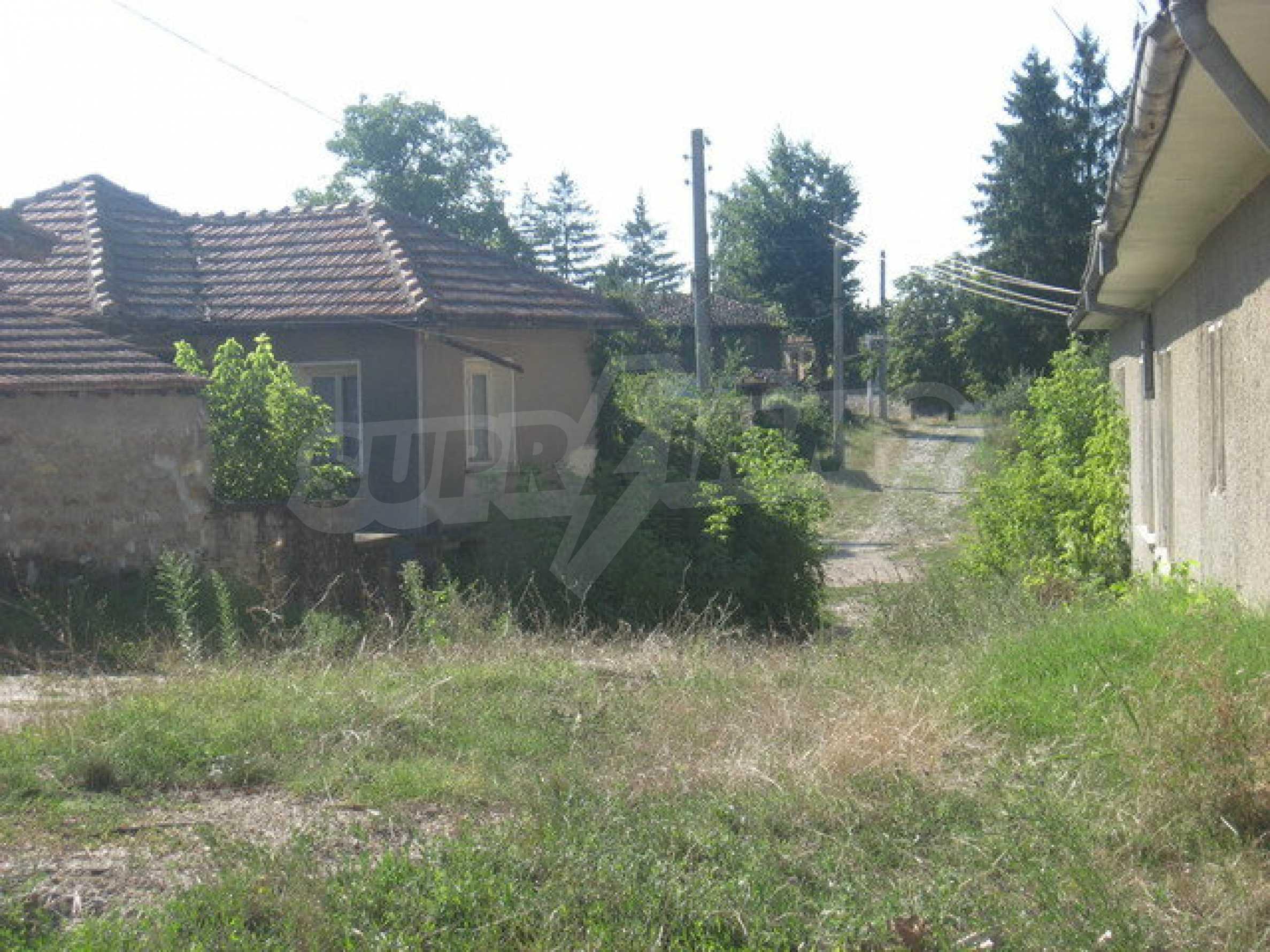 Кирпичный дом в деревне недалеко от Велико Тырново 5