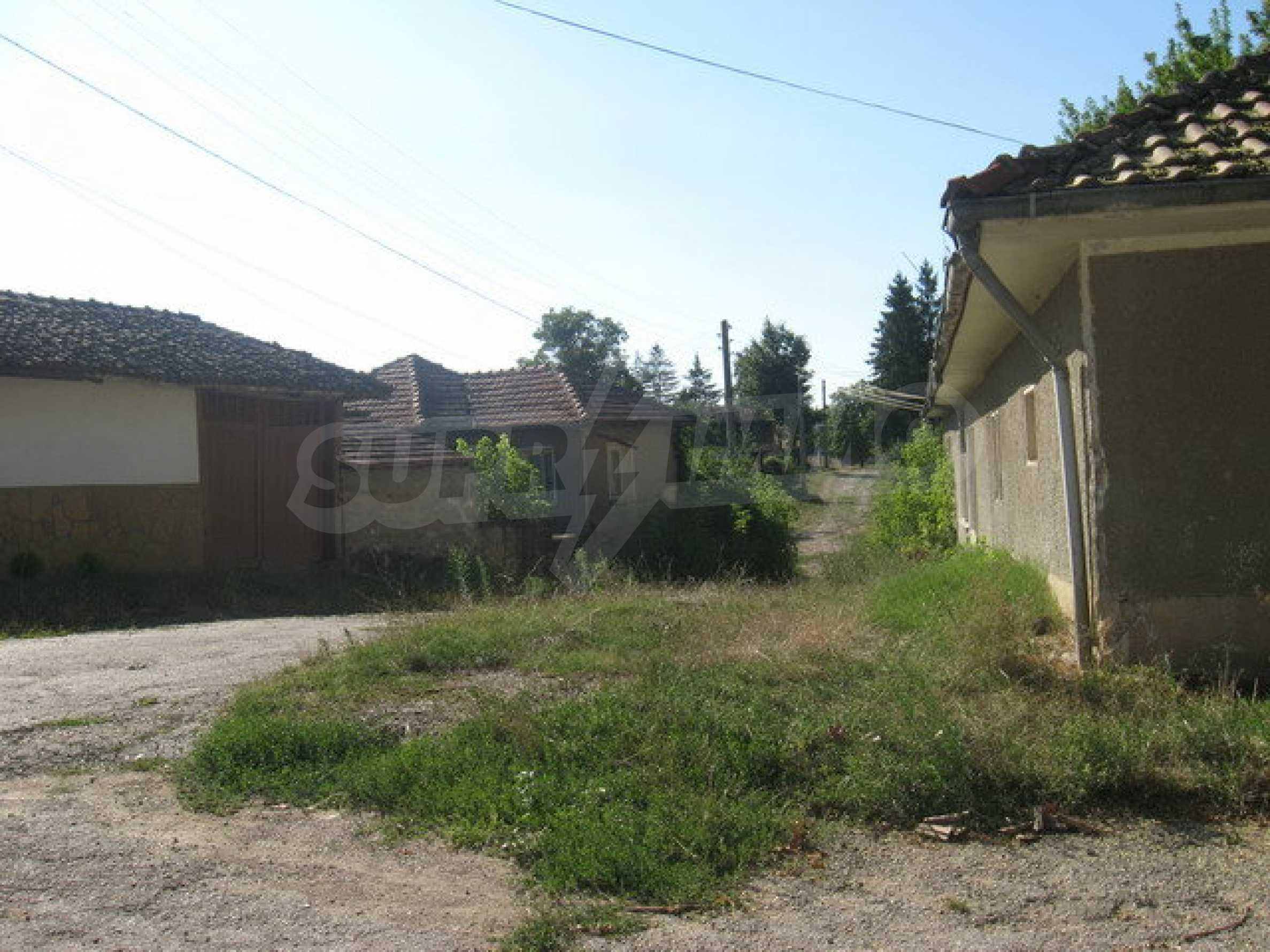 Кирпичный дом в деревне недалеко от Велико Тырново 6