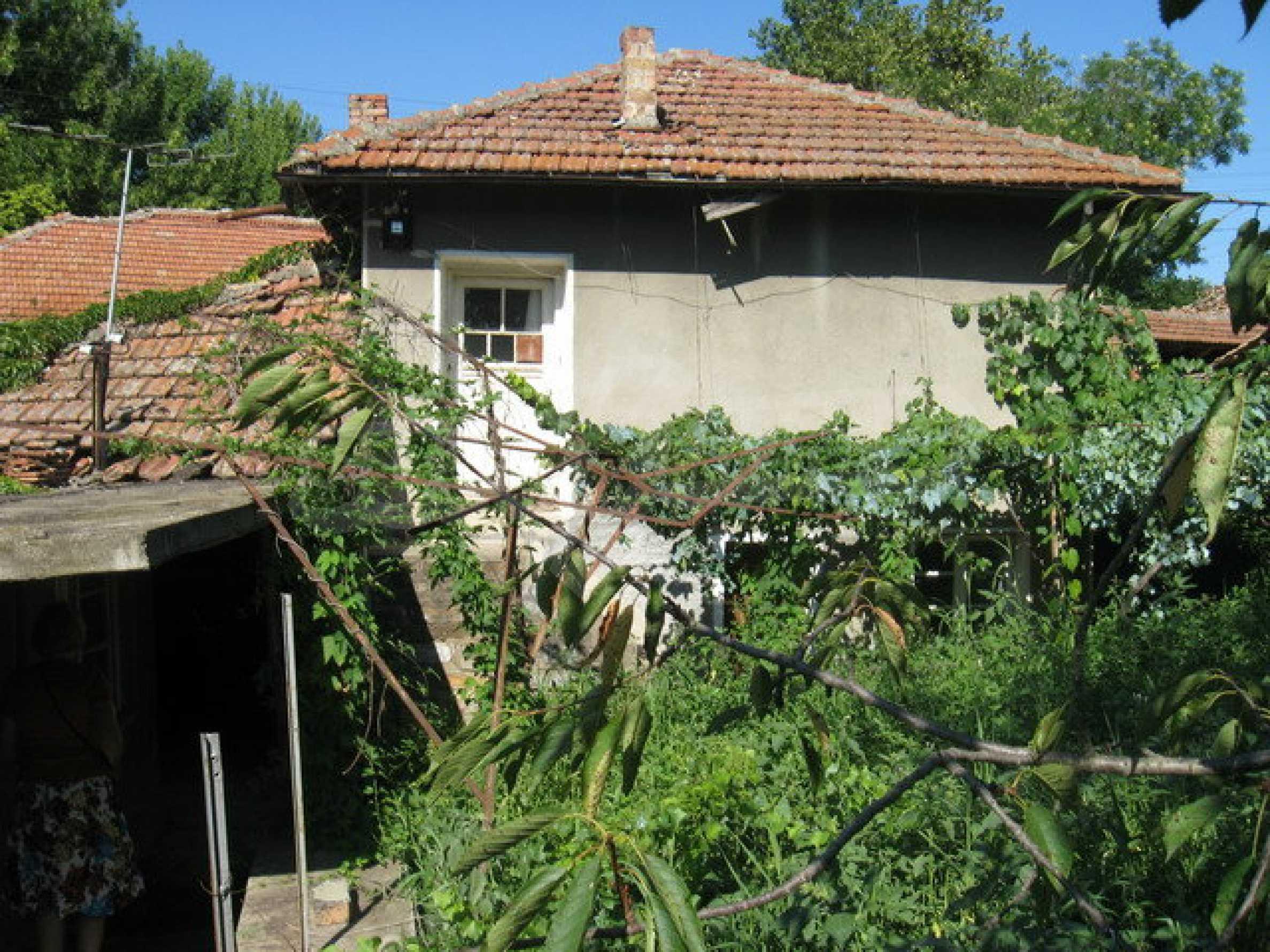 Кирпичный дом в деревне недалеко от Велико Тырново 8
