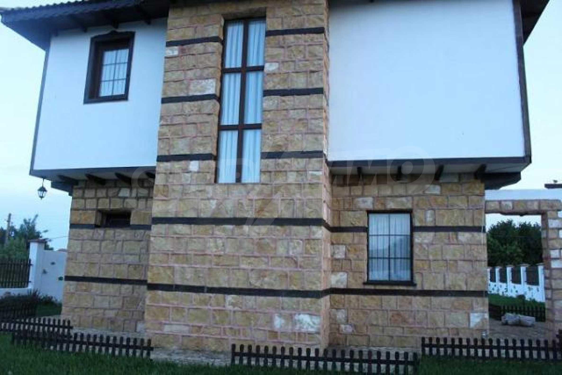 Neues zweistöckiges Haus 8 km von Baltschik entfernt 1