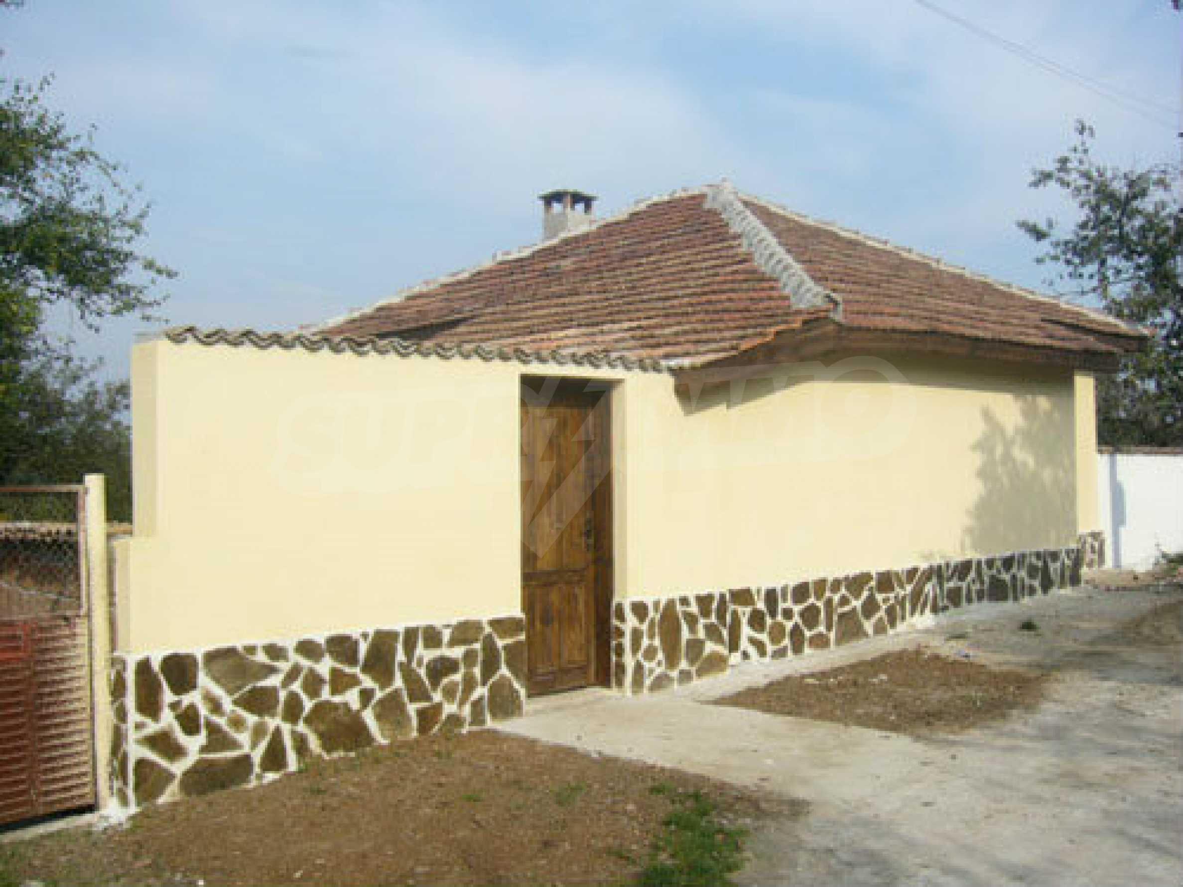 Renoviertes zweistöckiges Haus auf dem Balkan, 30 km von Veliko Tarnovo entfernt 1