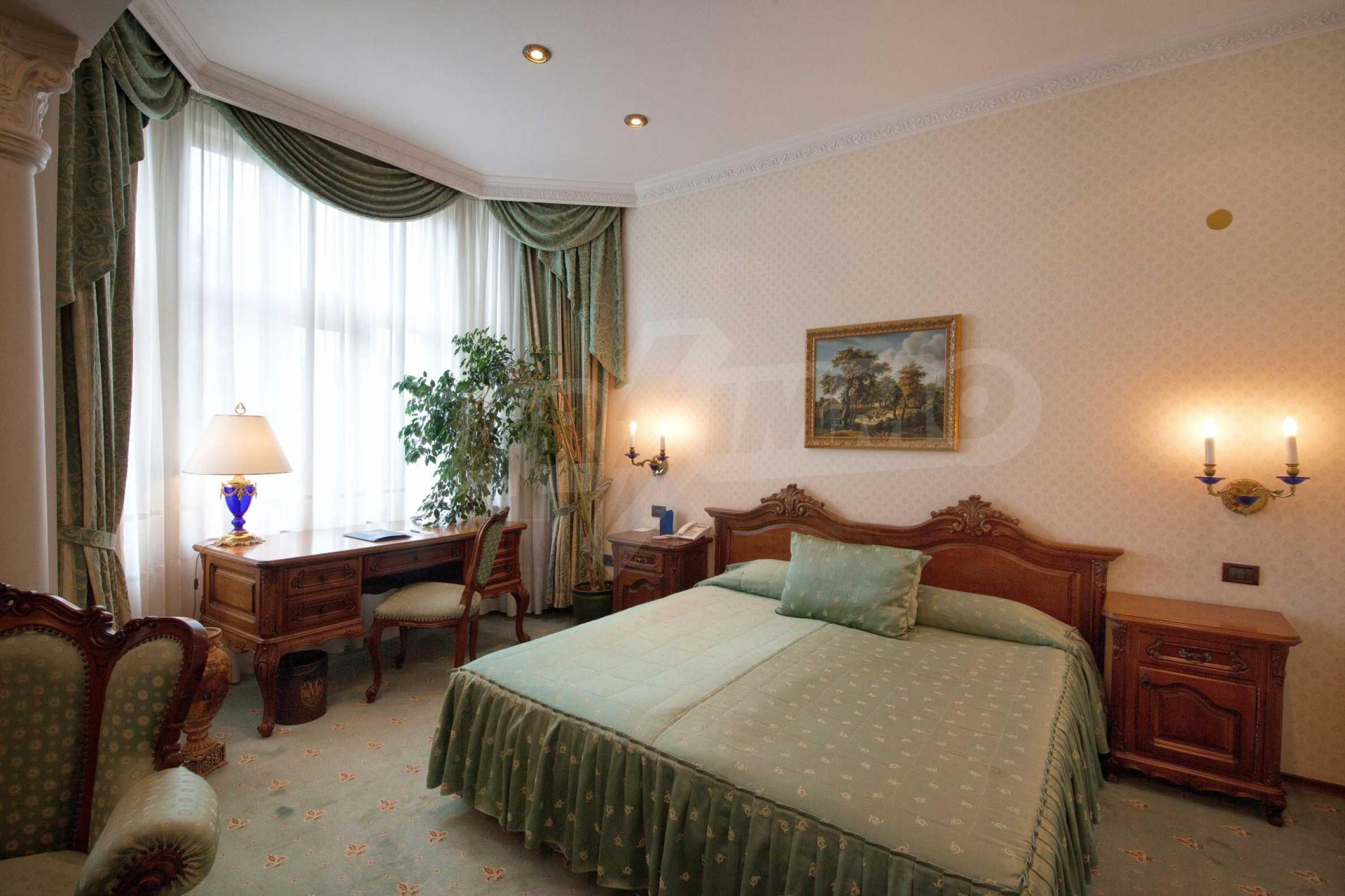 Fünf-Sterne-Hotel 9