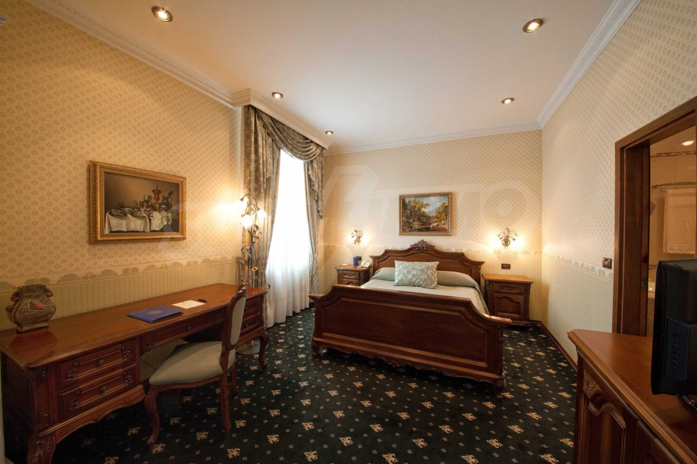 Fünf-Sterne-Hotel 1
