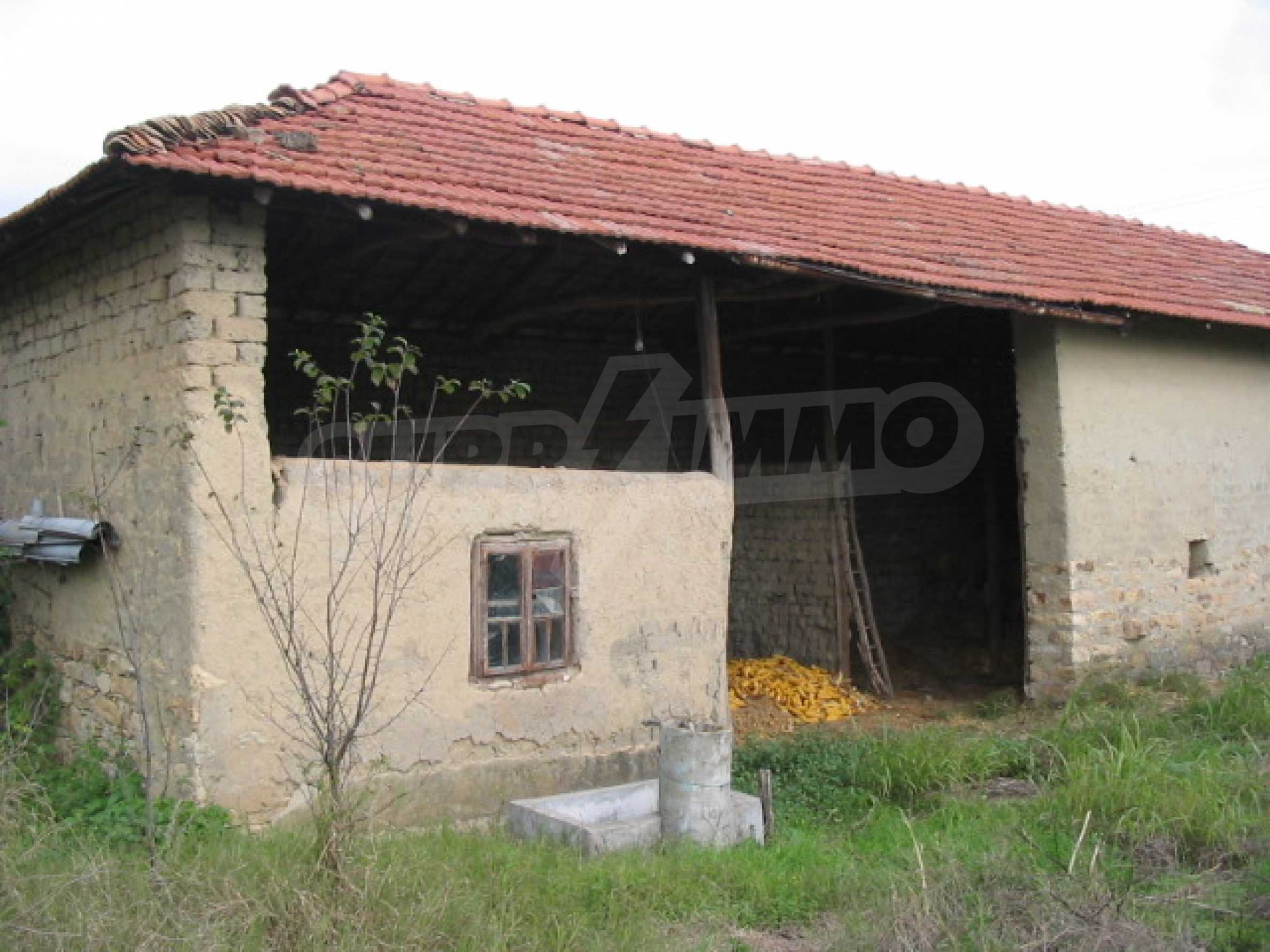 Къща на два етажа на страхотна цена 7