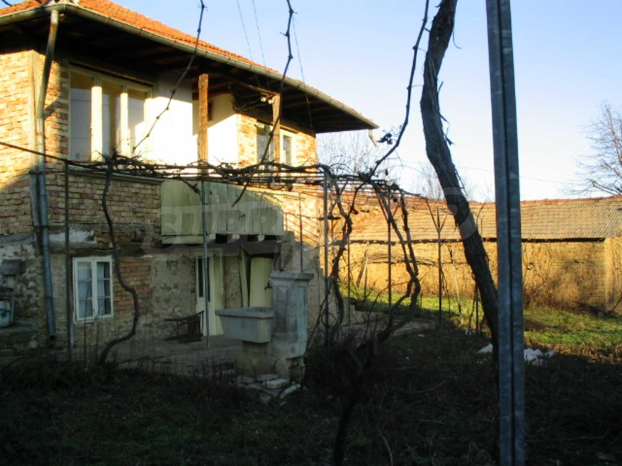 Haus zum Verkauf in der Nähe von Veliko Tarnovo 1