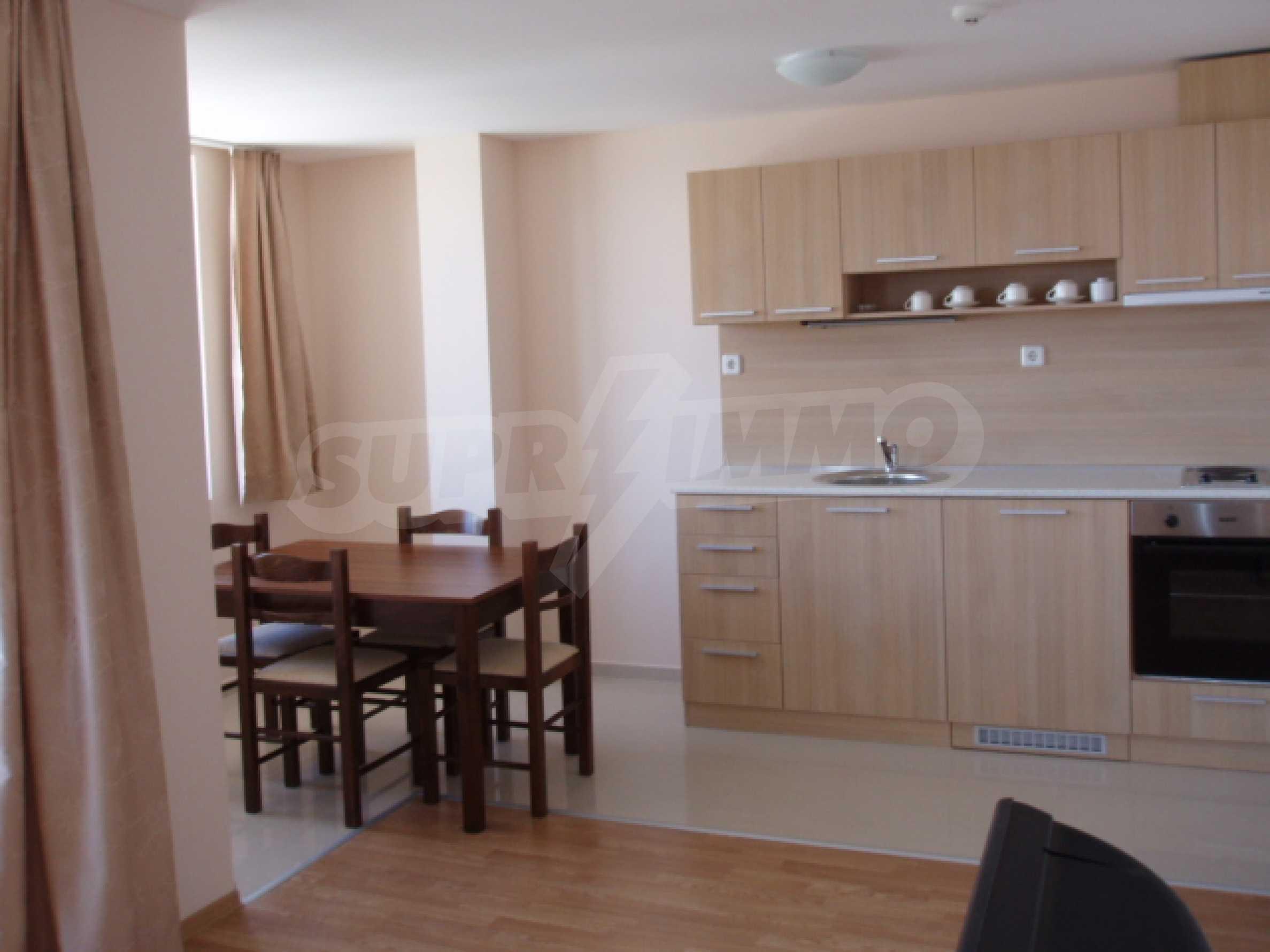 Тристаен апартамент за продажба в гр. Банско 2