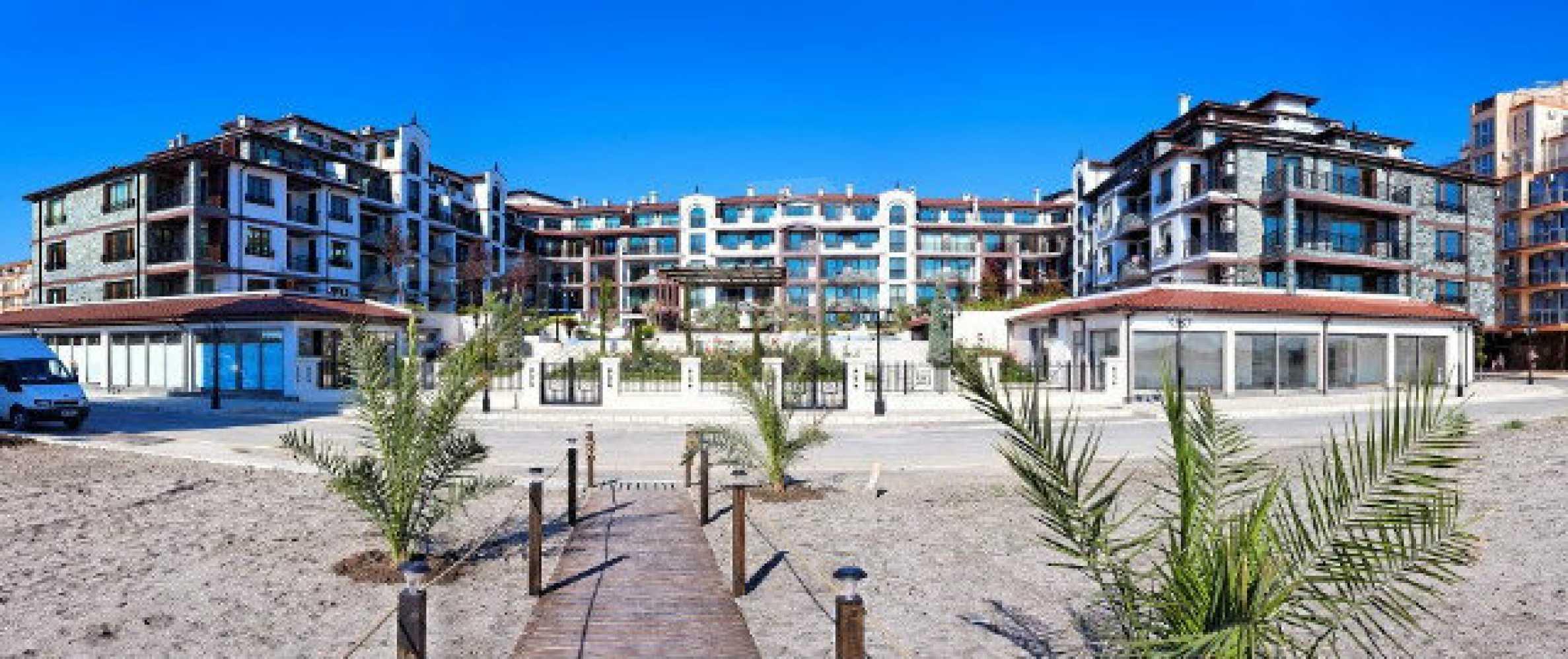 Апартаменти различни типове на метри от плажа 5