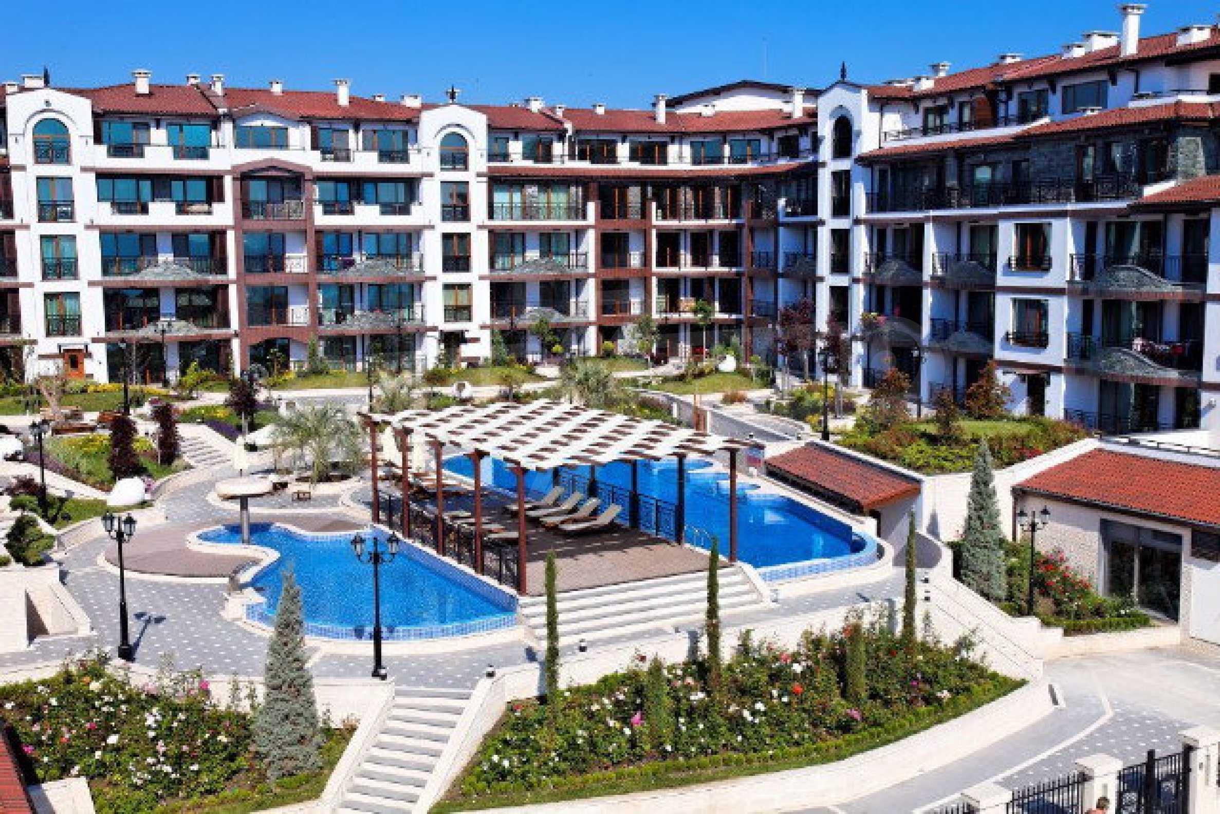 Апартаменти различни типове на метри от плажа 6