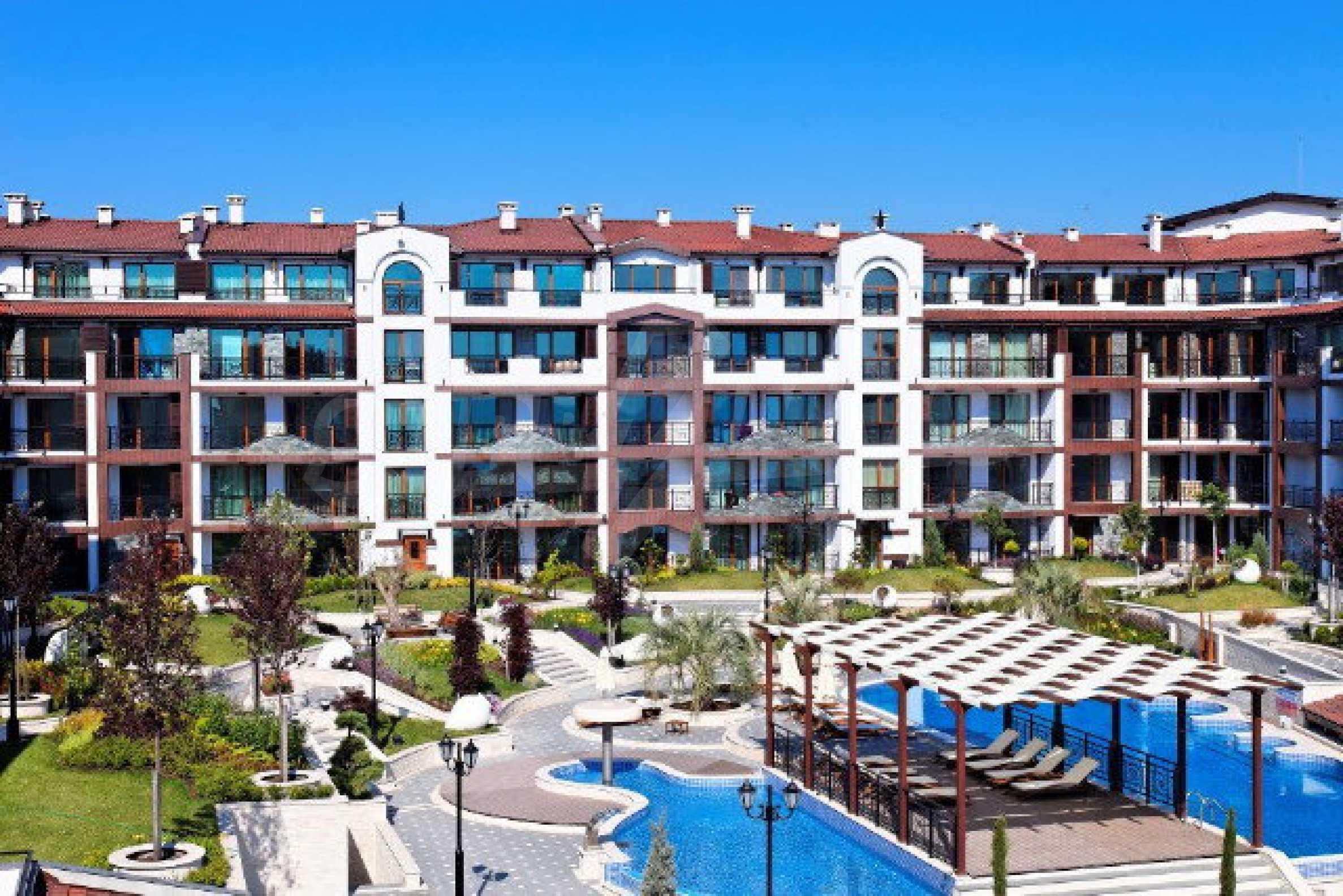 Апартаменти различни типове на метри от плажа