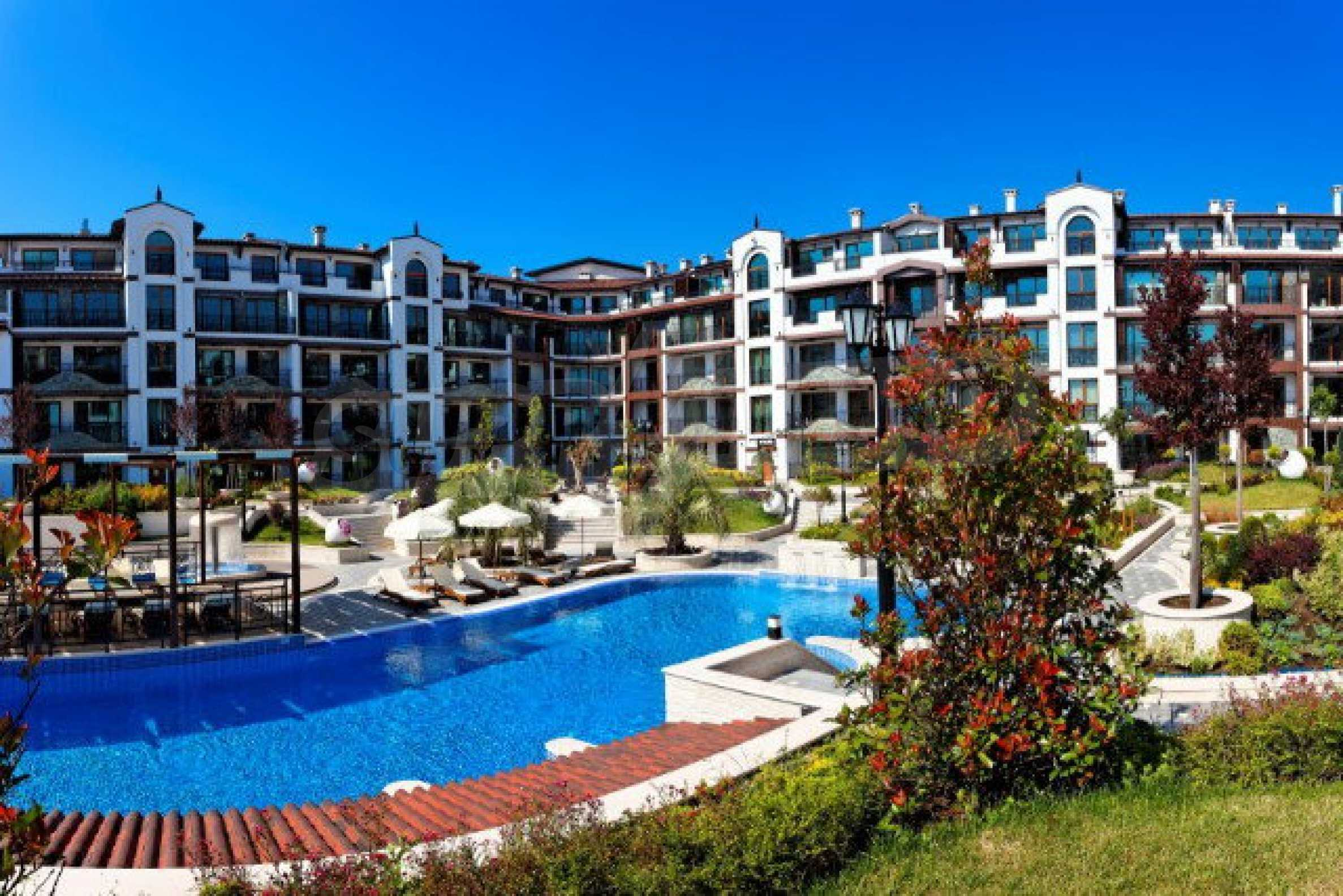 Апартаменти различни типове на метри от плажа 4