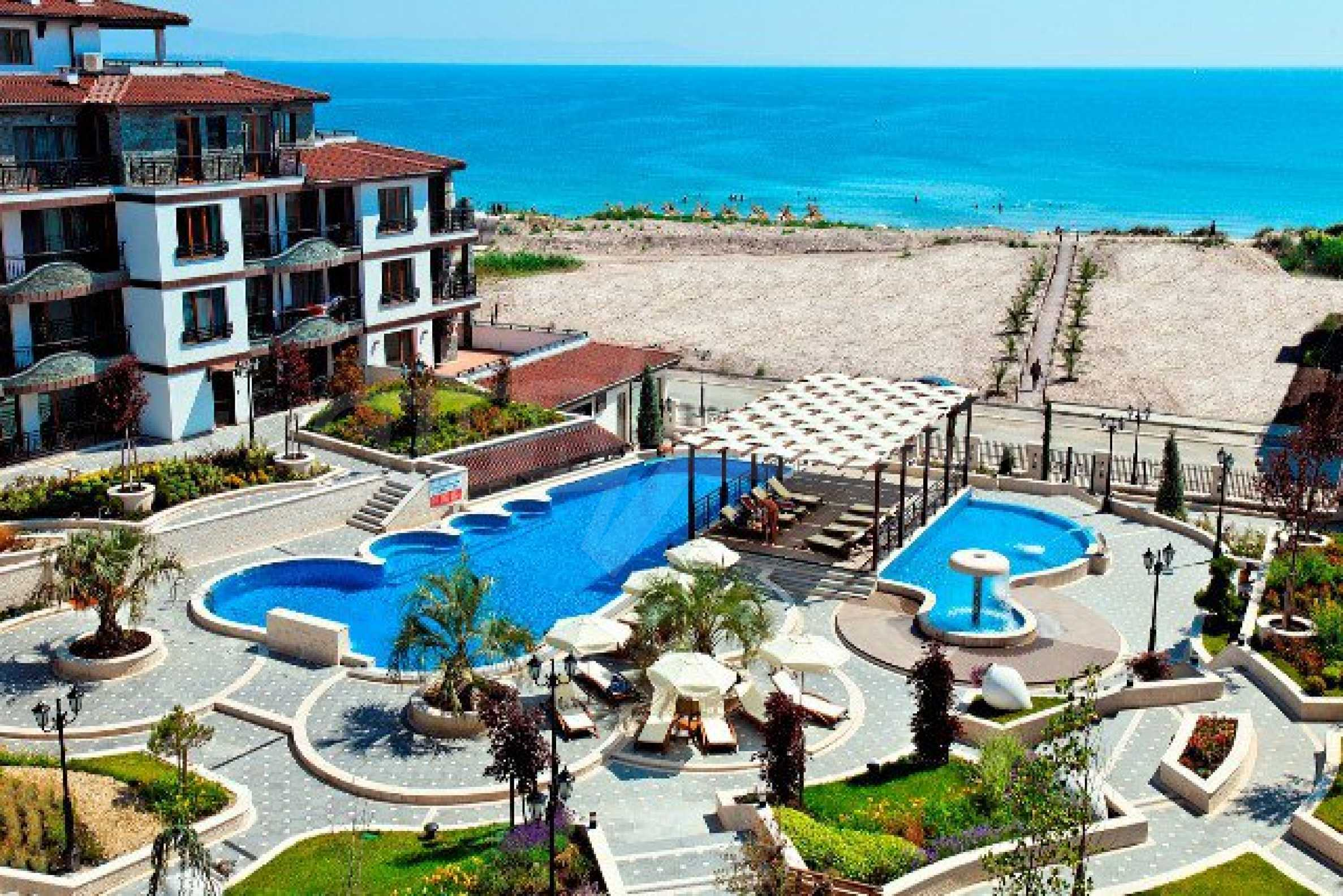 Апартаменти различни типове на метри от плажа 16