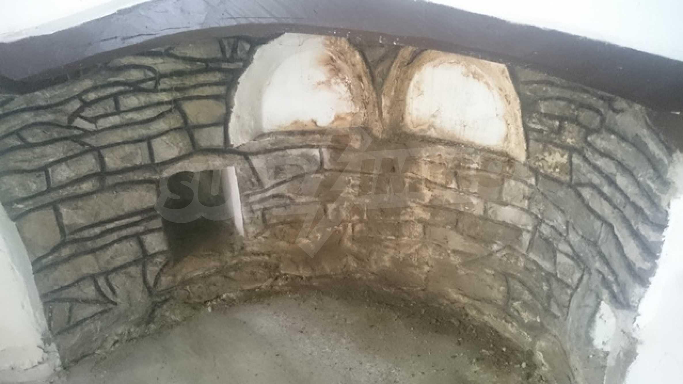 Двуетажна каменна къща в полите на Стара планина 10