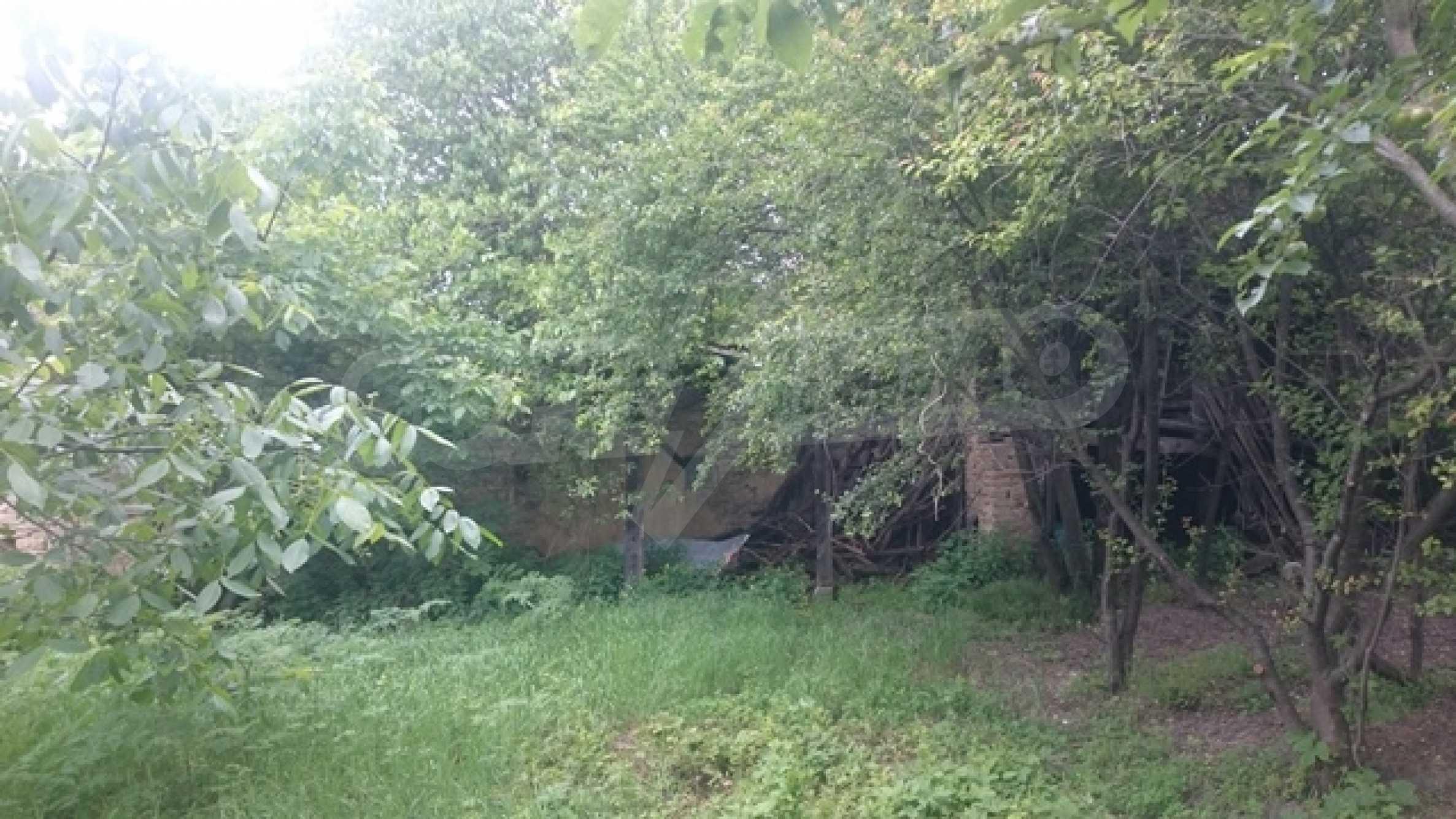 Двуетажна каменна къща в полите на Стара планина 28