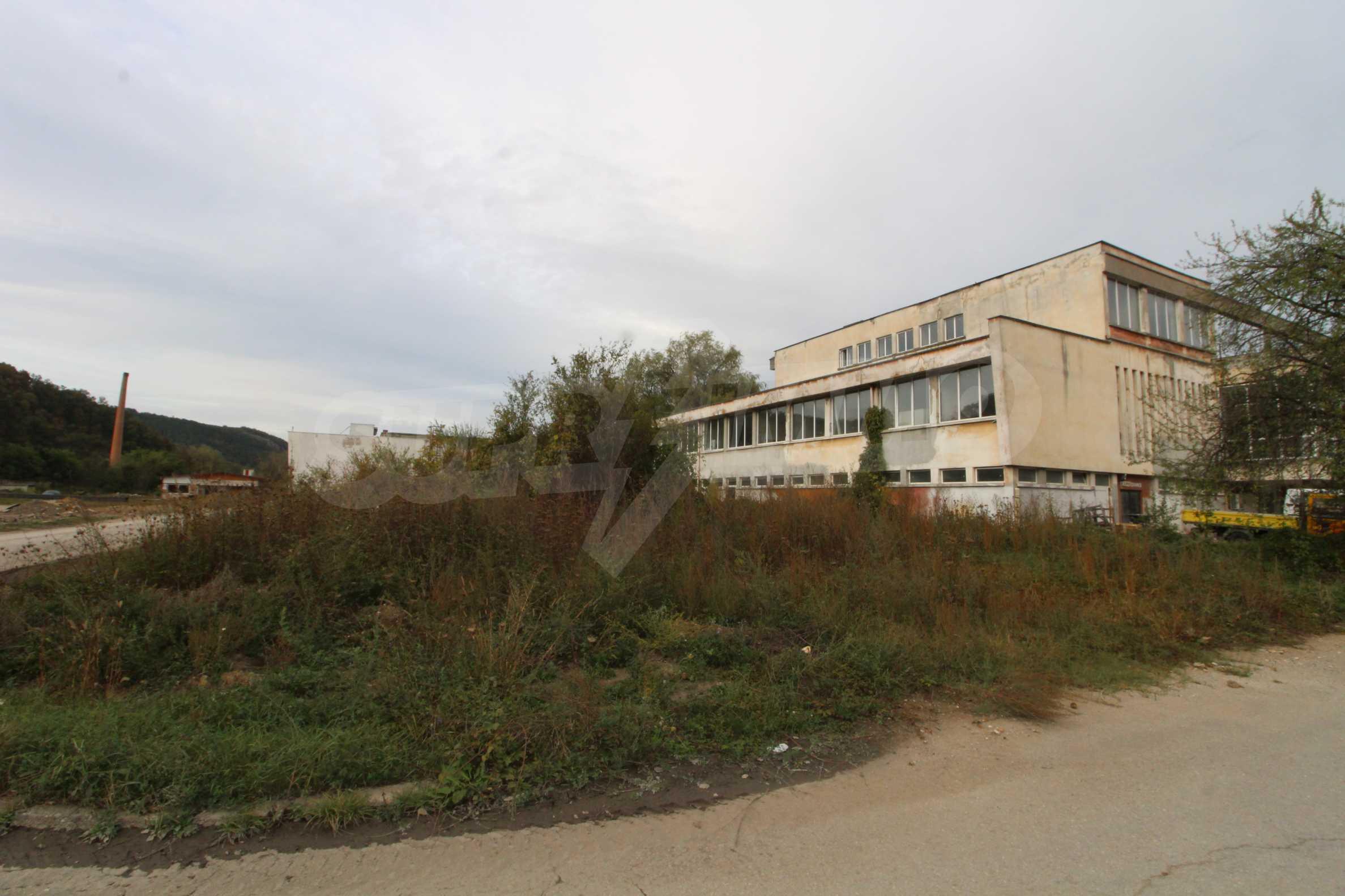 Част от промишлена сграда в град Габрово под наем 6