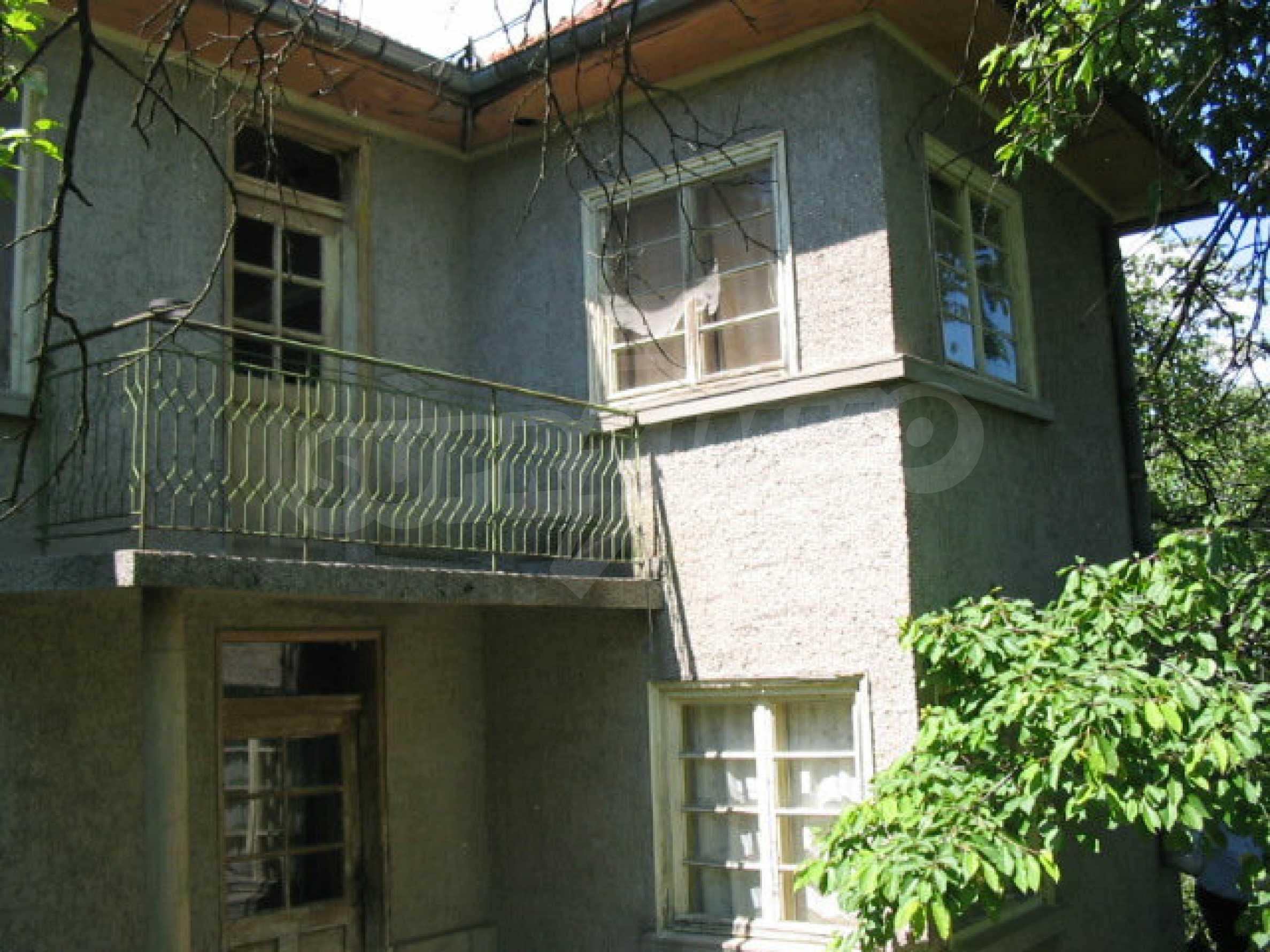 Двуетажна къща с голям двор в китно селце на 10 км. от град Габрово 25
