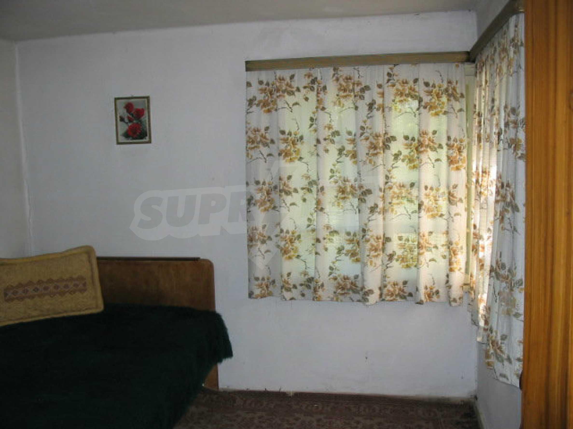 Двуетажна къща с голям двор в китно селце на 10 км. от град Габрово 30