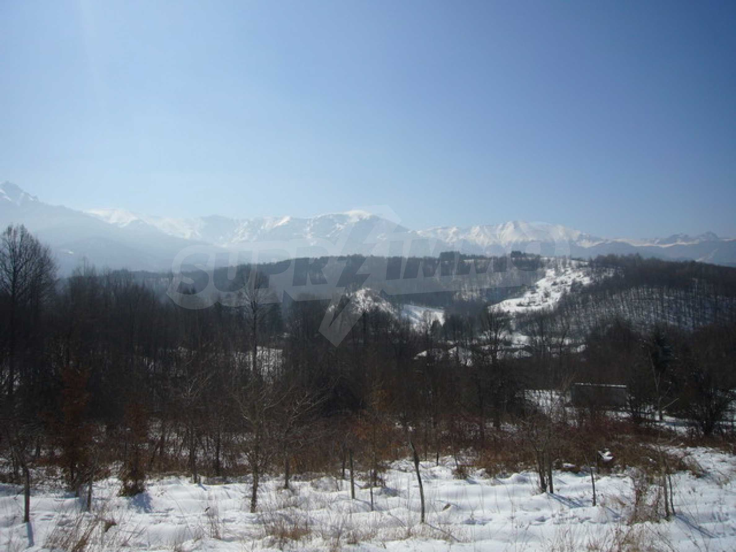 Land mit Potenzial in der Nähe von Apriltsi 8