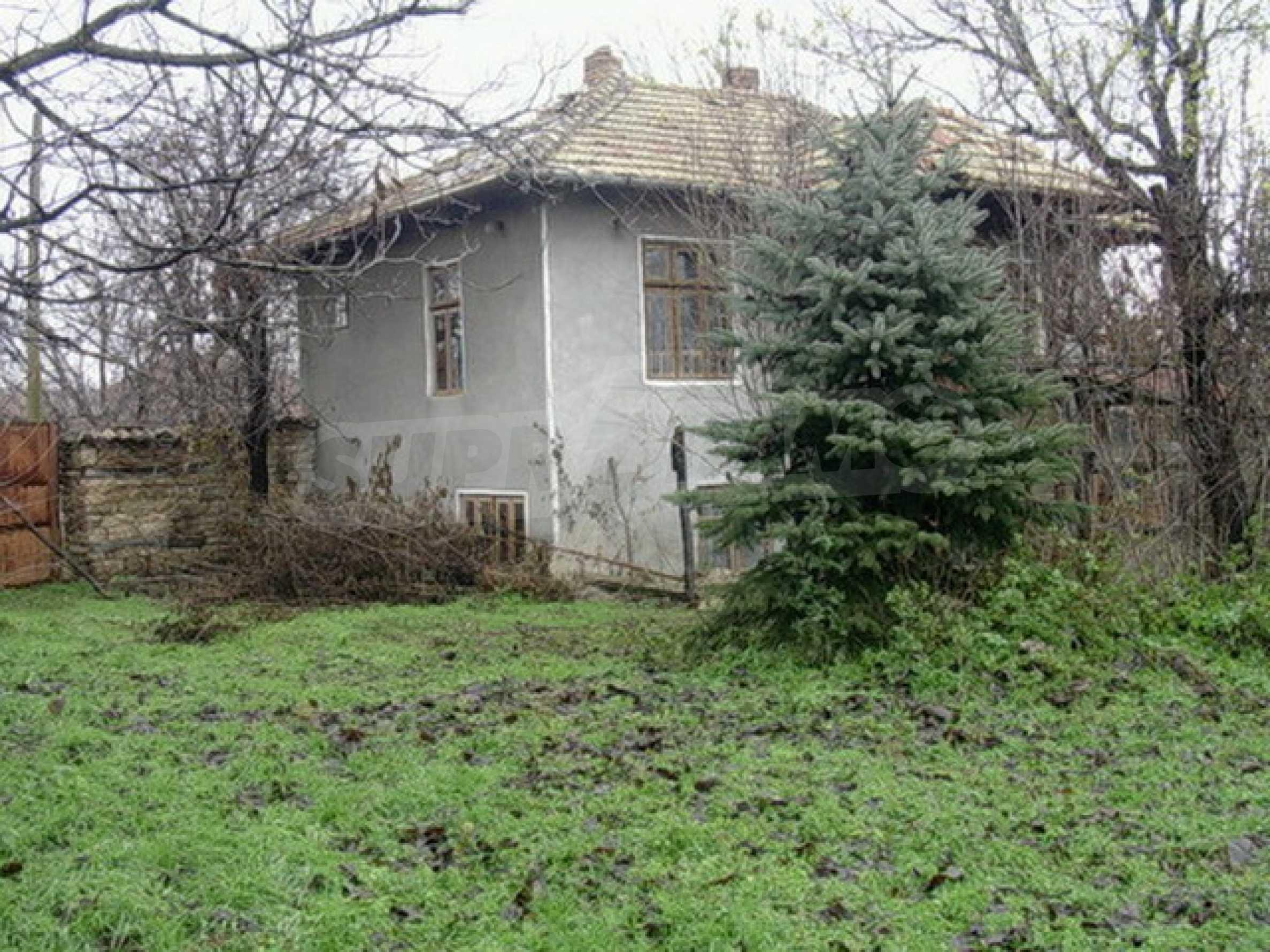 Двуетажна къща в развито село на 37 км от Велико Търново 6