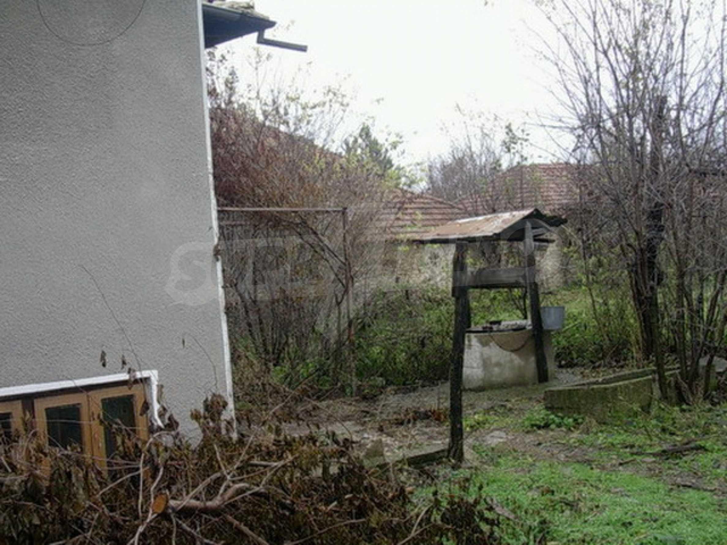 Двуетажна къща в развито село на 37 км от Велико Търново 8