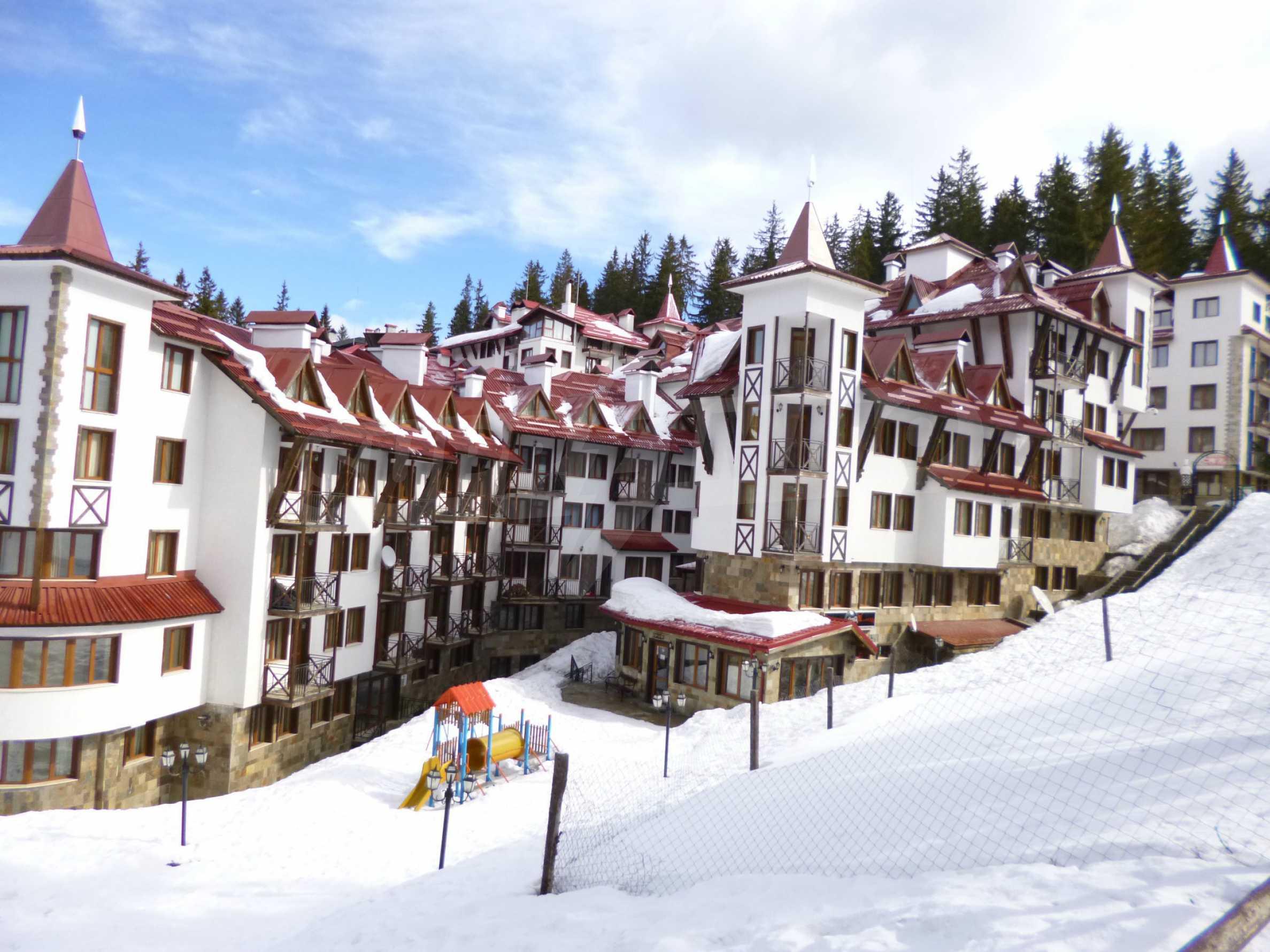 Hervorragend möbliertes Anwesen im Schlosshotel 25