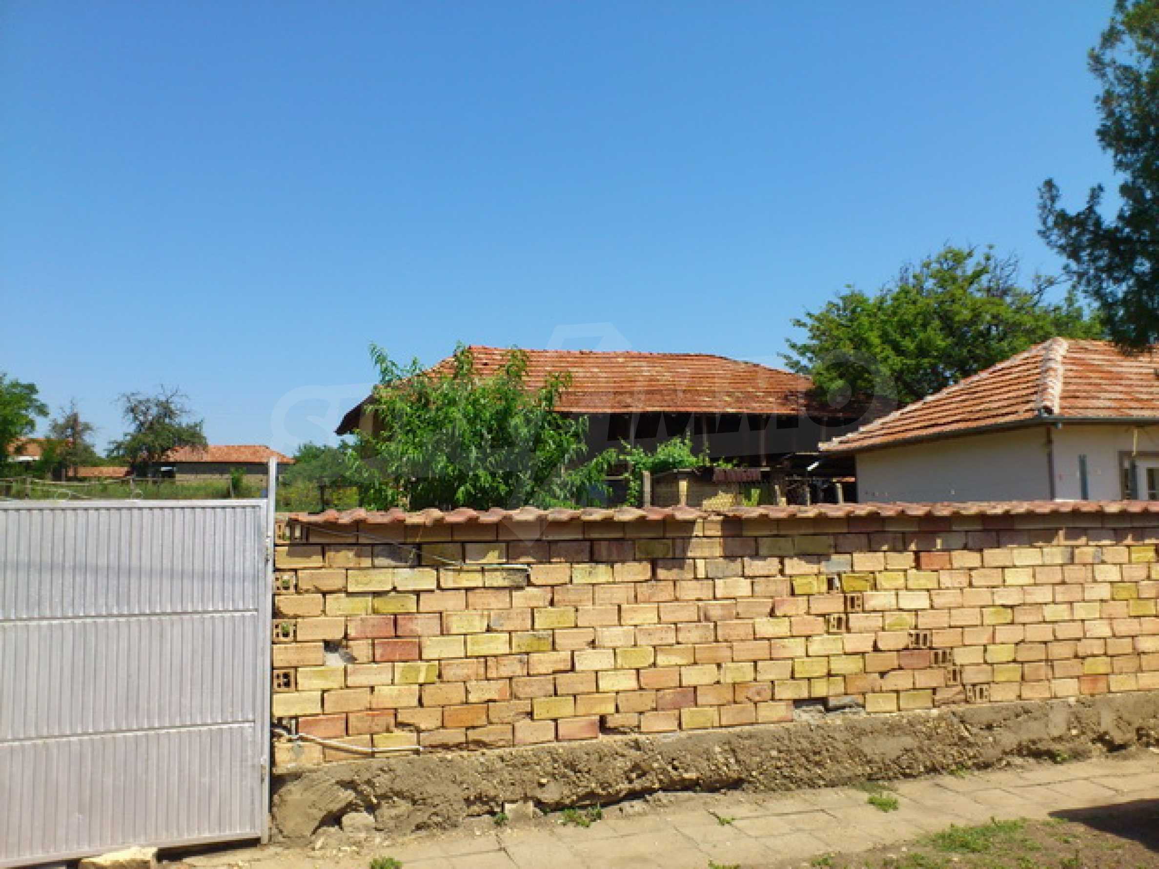 Renovated farmhouse in excellent condition in a village 45 km. from Veliko Tarnovo 37