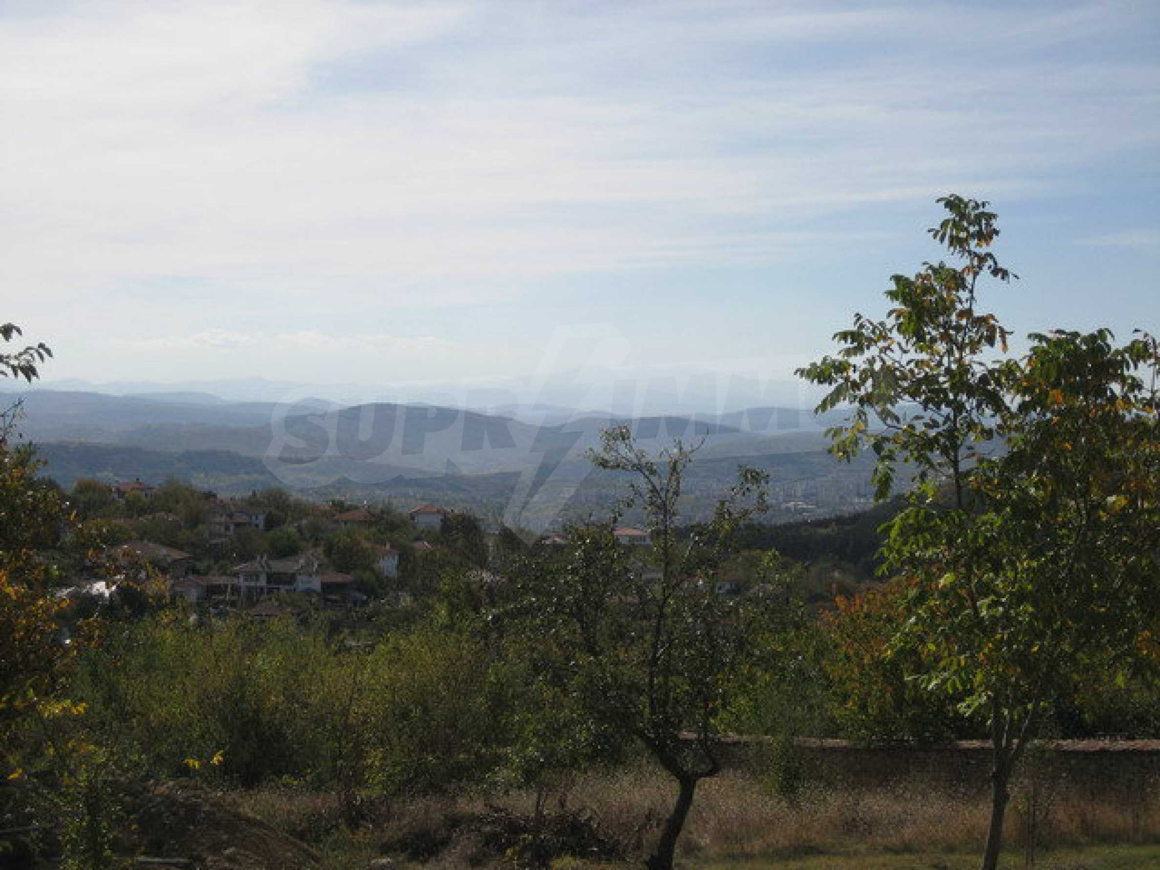 Plots of land in the highest part of the Arbanassi village 4