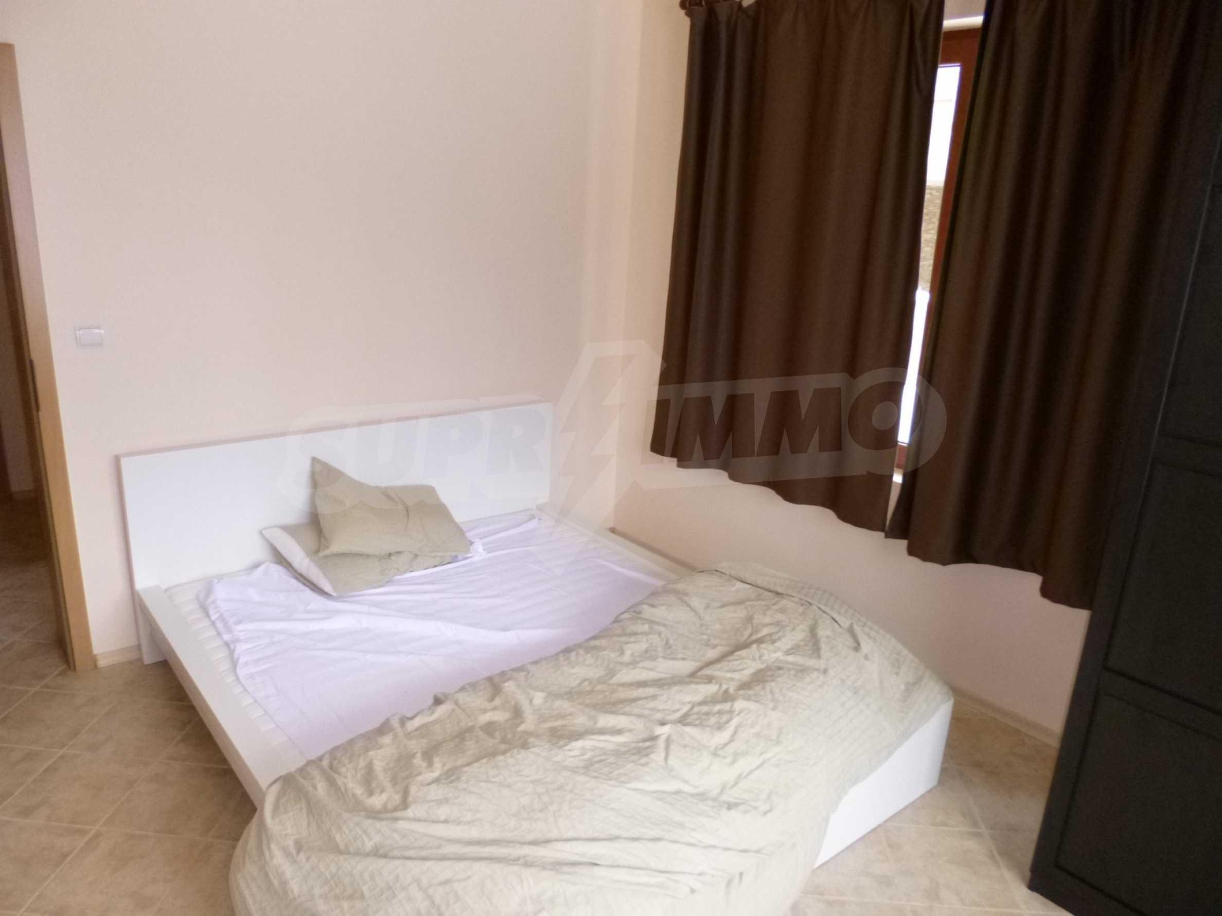 Apartment mit zwei Schlafzimmern im Panoramakomplex 10