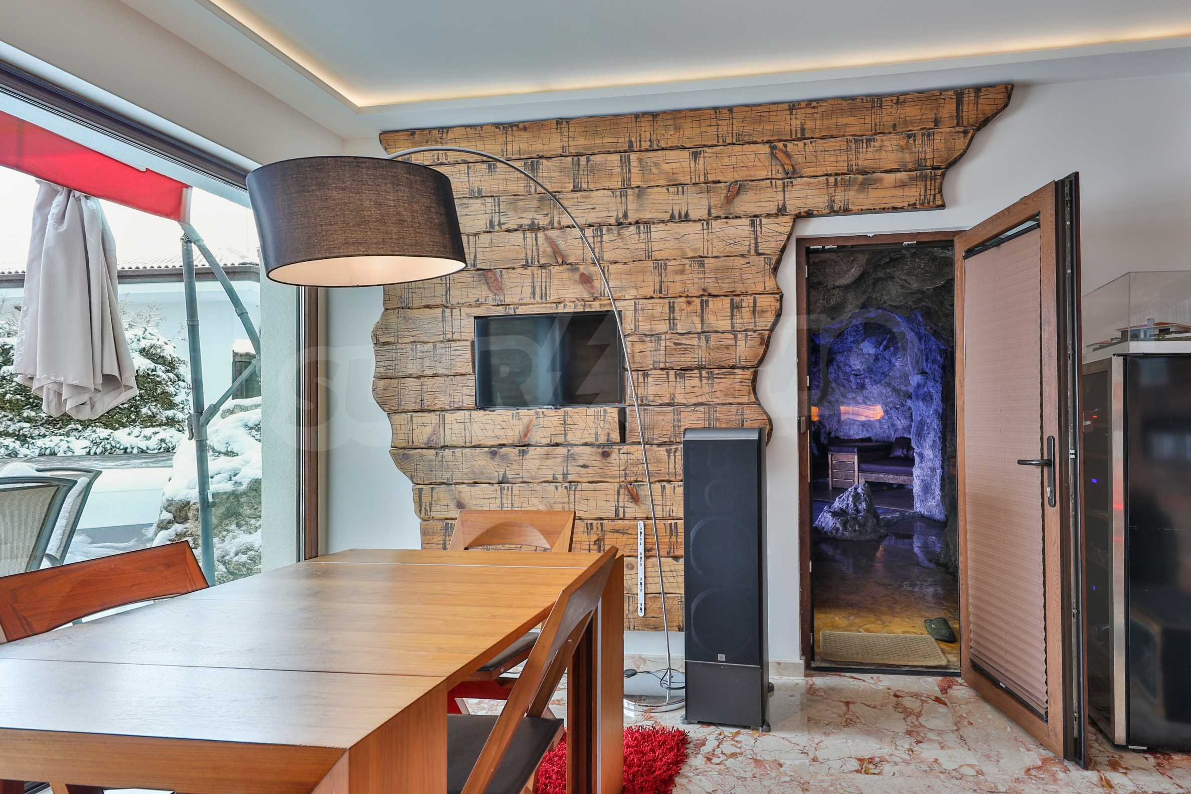 Furnished 3-bedroom property with own spa centre in the Delta Hills estate 13