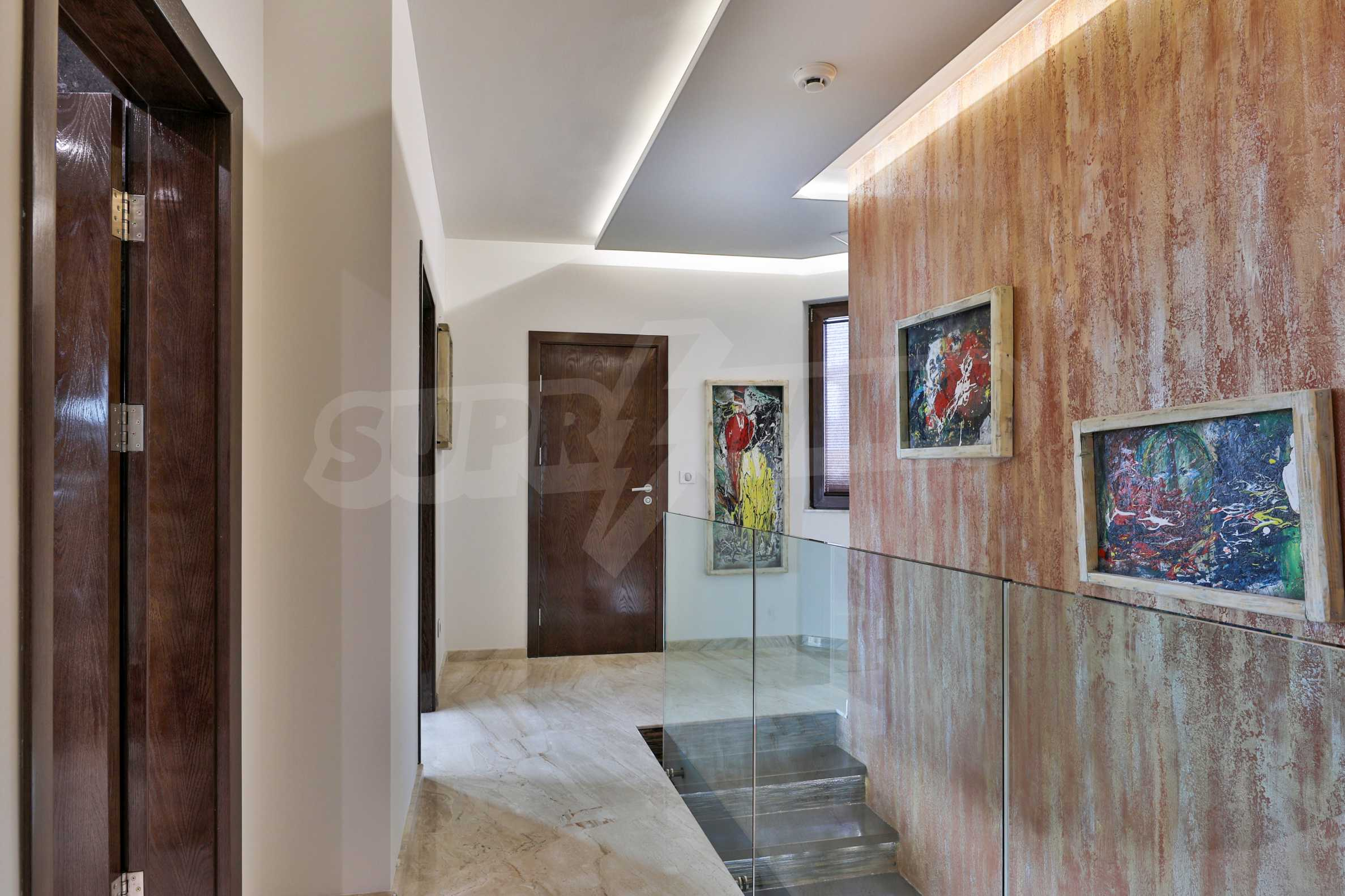 Furnished 3-bedroom property with own spa centre in the Delta Hills estate 23
