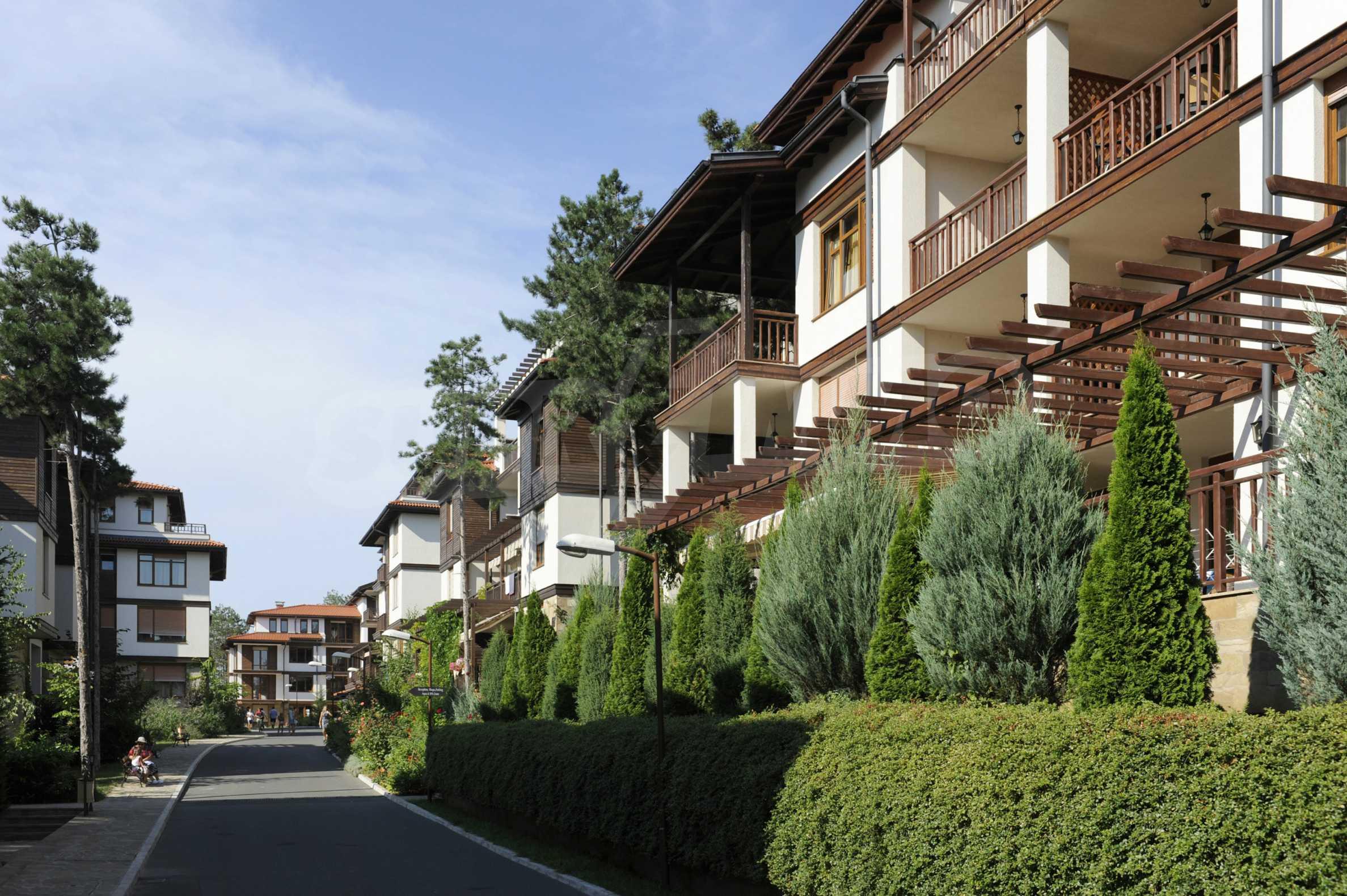 Впечатляващ комплекс с ваканционни жилища в близост до Созопол 11
