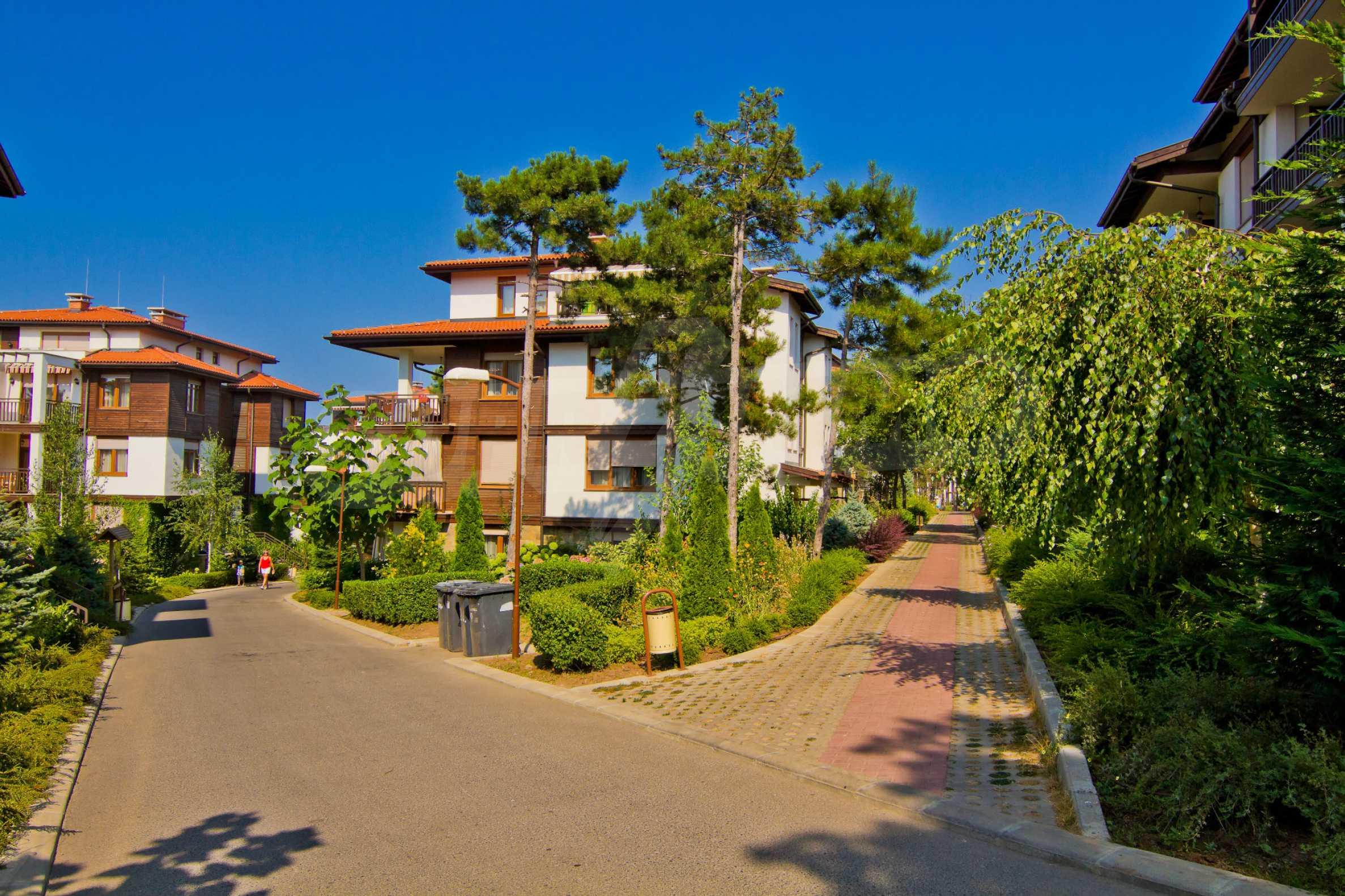 Впечатляващ комплекс с ваканционни жилища в близост до Созопол 21