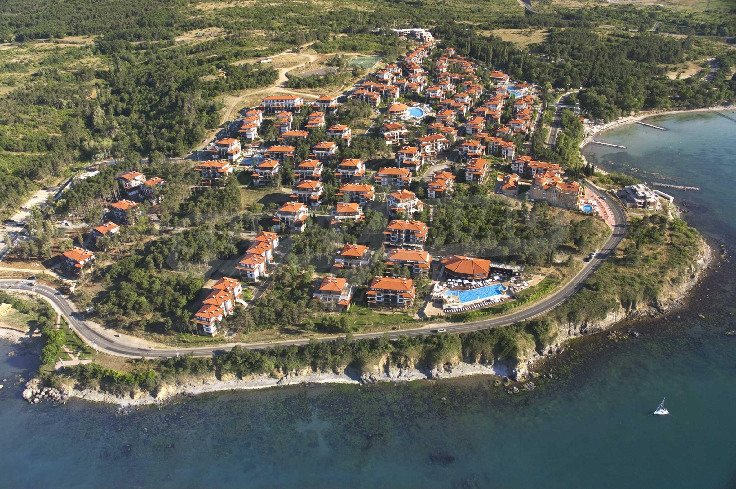 Впечатляващ комплекс с ваканционни жилища в близост до Созопол 4