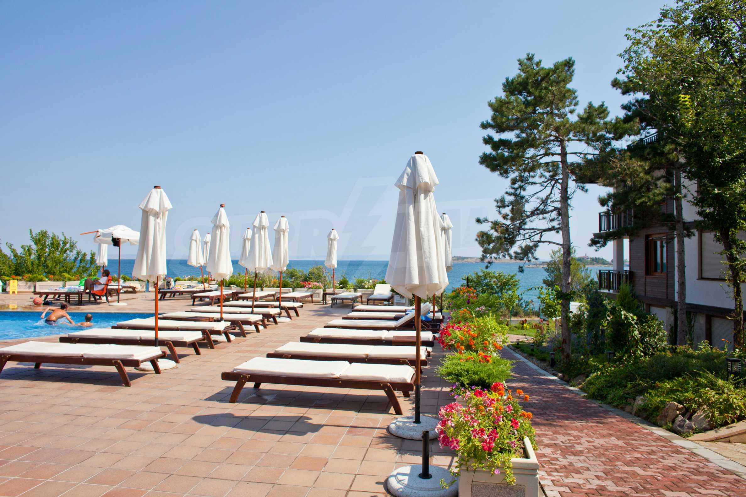Впечатляващ комплекс с ваканционни жилища в близост до Созопол 43